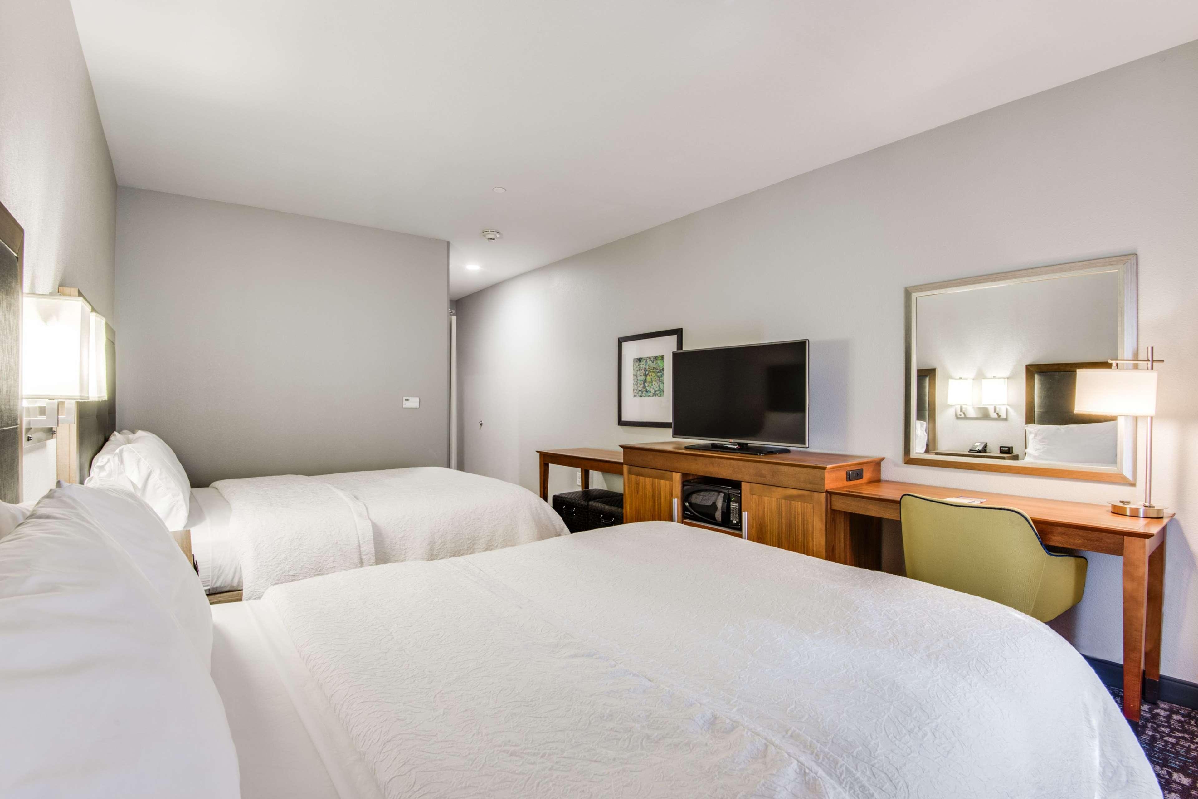 Hampton Inn & Suites Dallas/Ft. Worth Airport South image 16