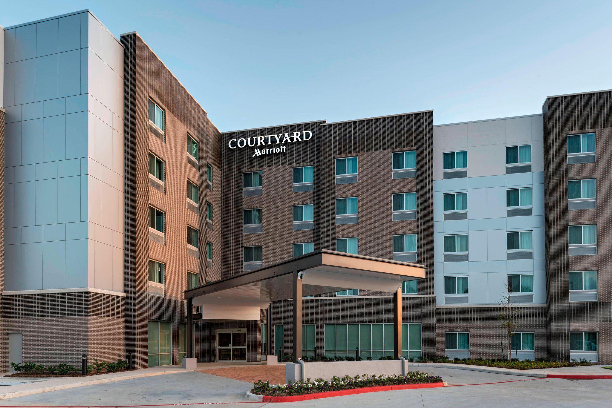 Courtyard by Marriott Houston Sugar Land/Lake Pointe