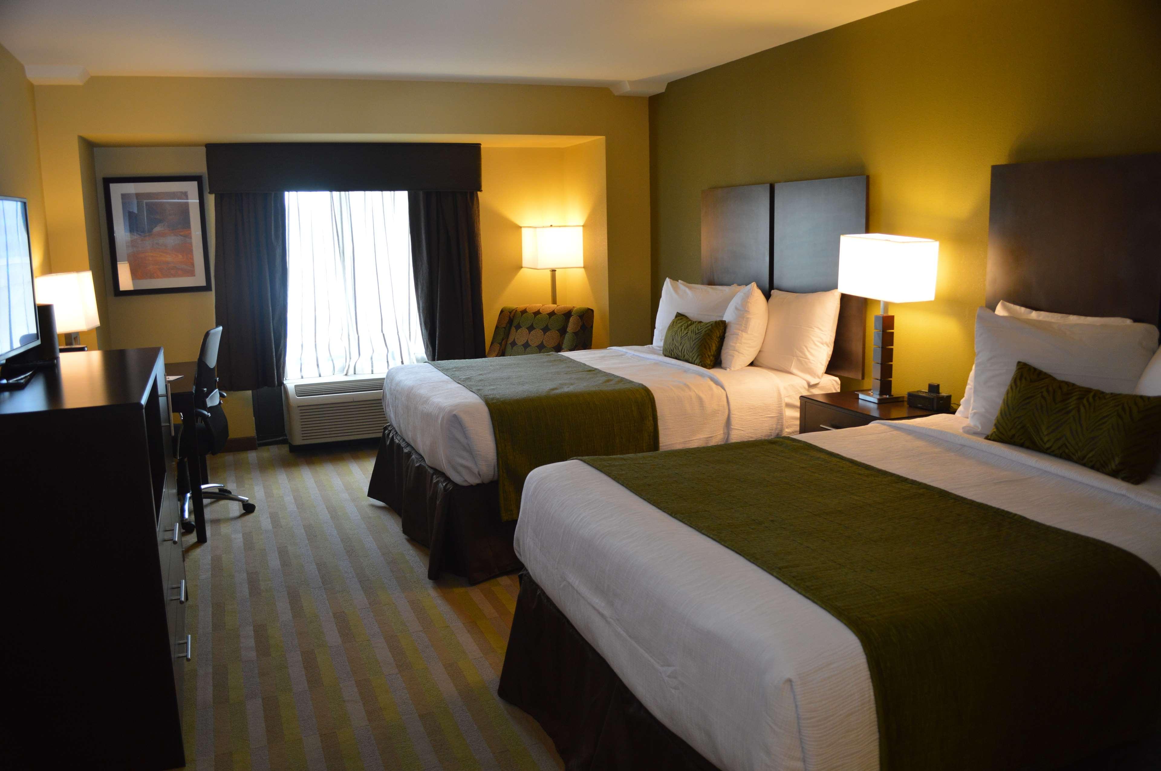 Best Western Plus Thornburg Inn & Suites image 8