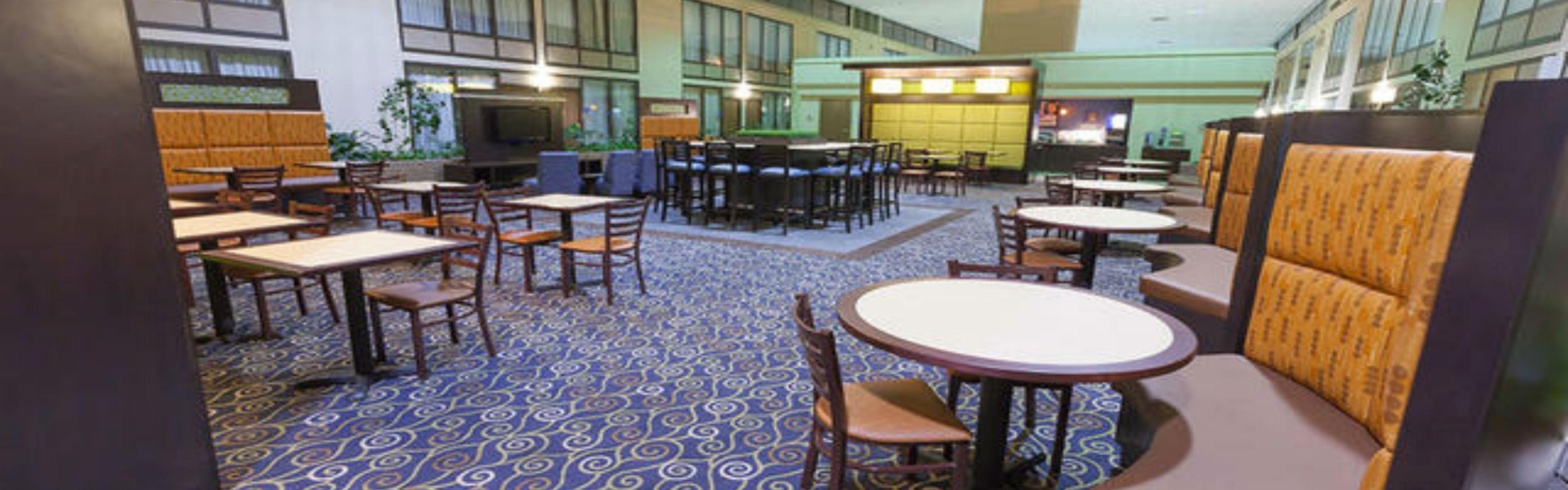 Holiday Inn Express Little Rock-Airport image 3
