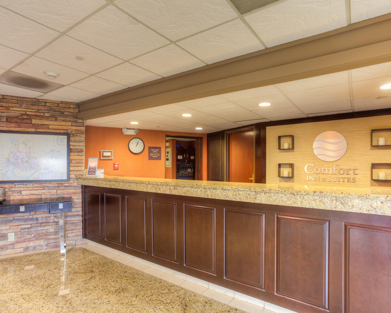 Comfort Inn Amp Suites Evansville Airport Coupons Evansville