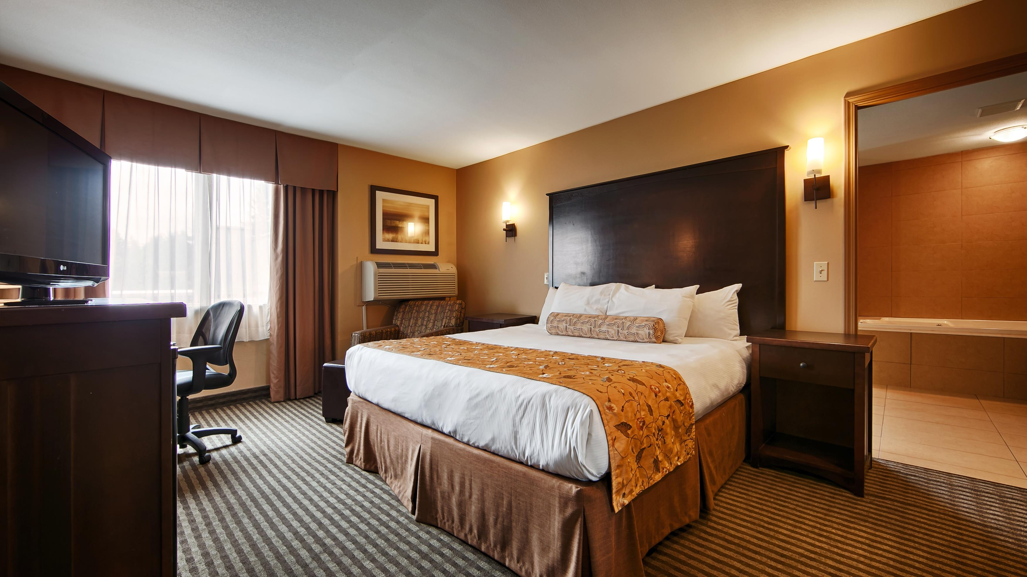 Best Western Maple Ridge Hotel in Maple Ridge: King Guest Room