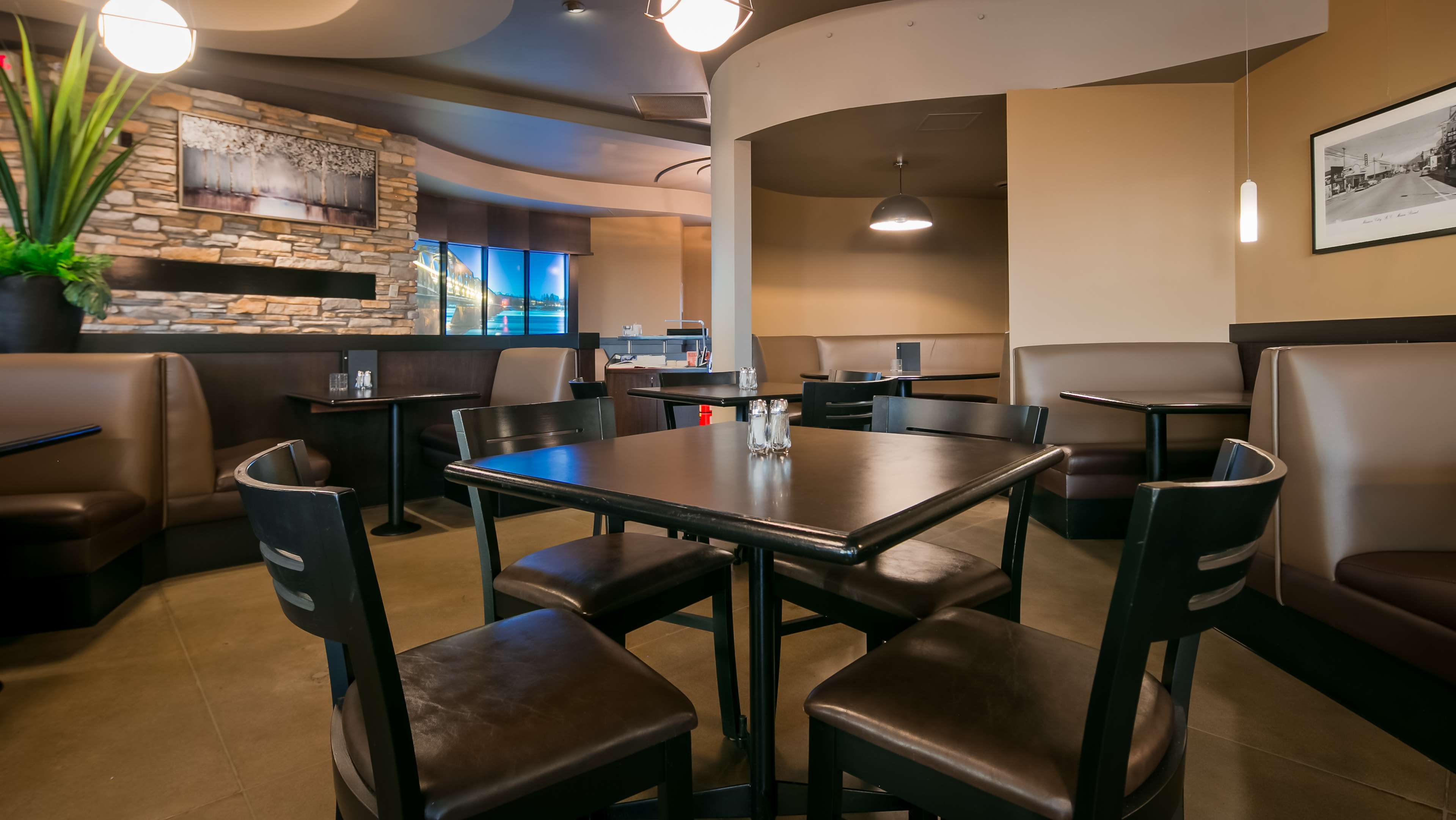 Best Western Plus Mission City Lodge in Mission: Restaurant