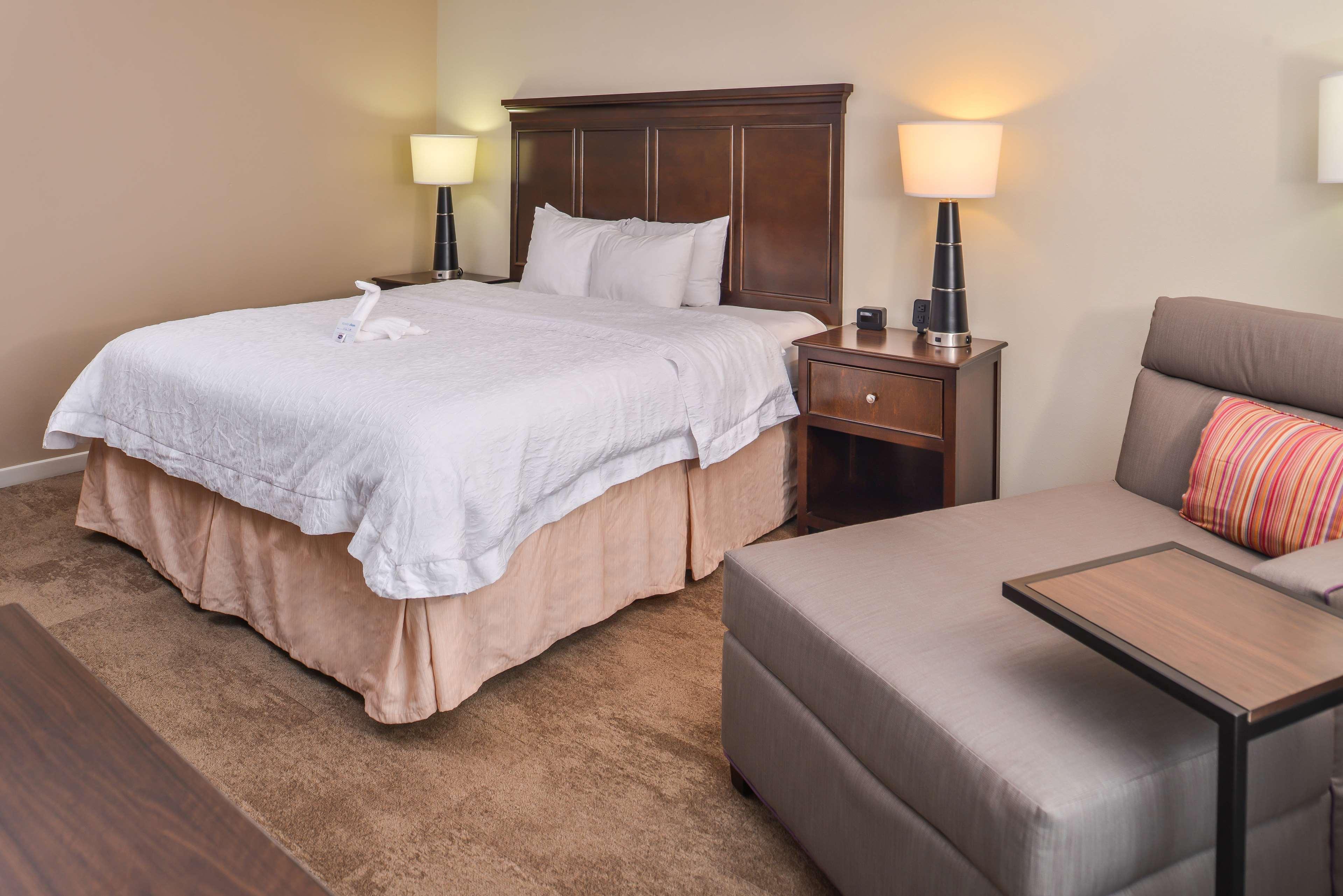 Hampton Inn & Suites Charlotte-Arrowood Rd. image 35