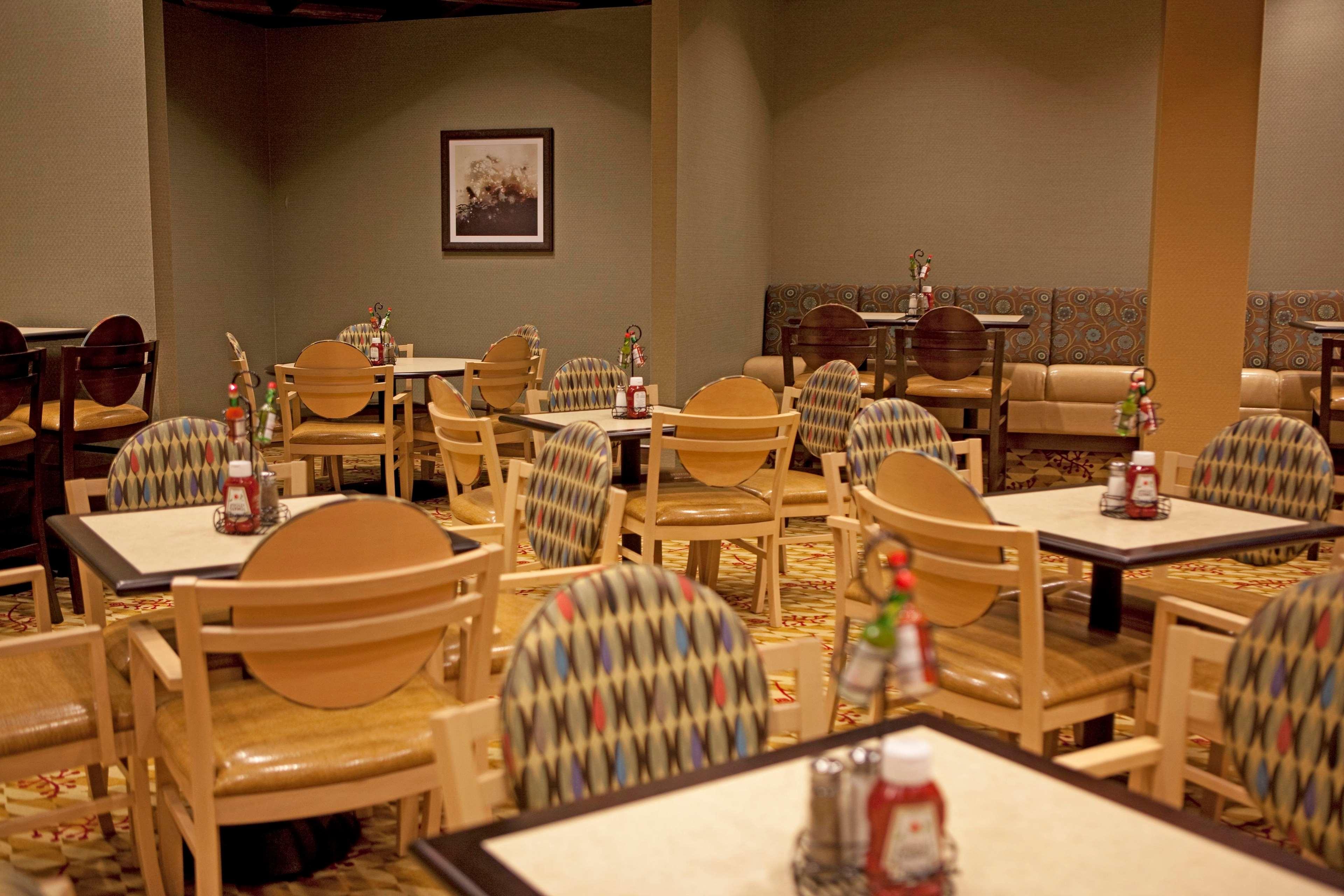 Embassy Suites by Hilton Birmingham Hoover image 24