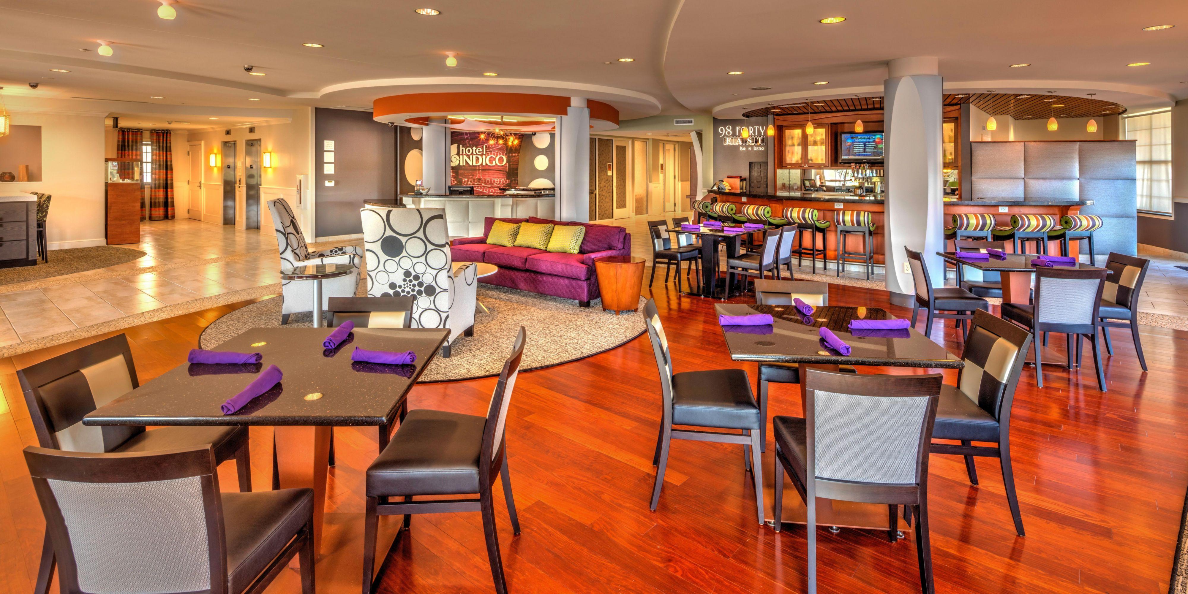 Hotel Indigo Jacksonville-Deerwood Park image 3
