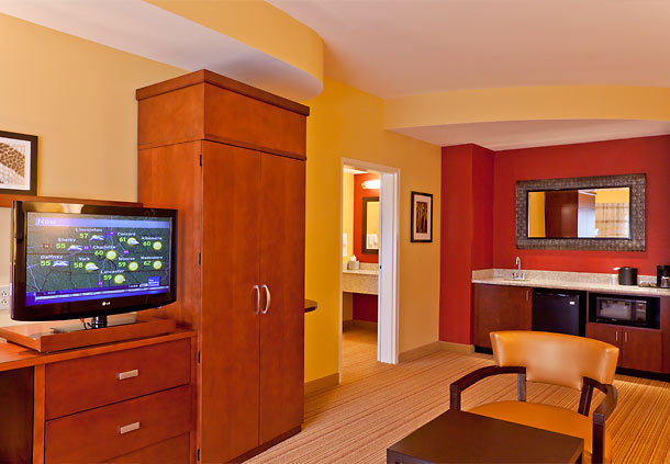 Courtyard by Marriott Charlotte Lake Norman image 4