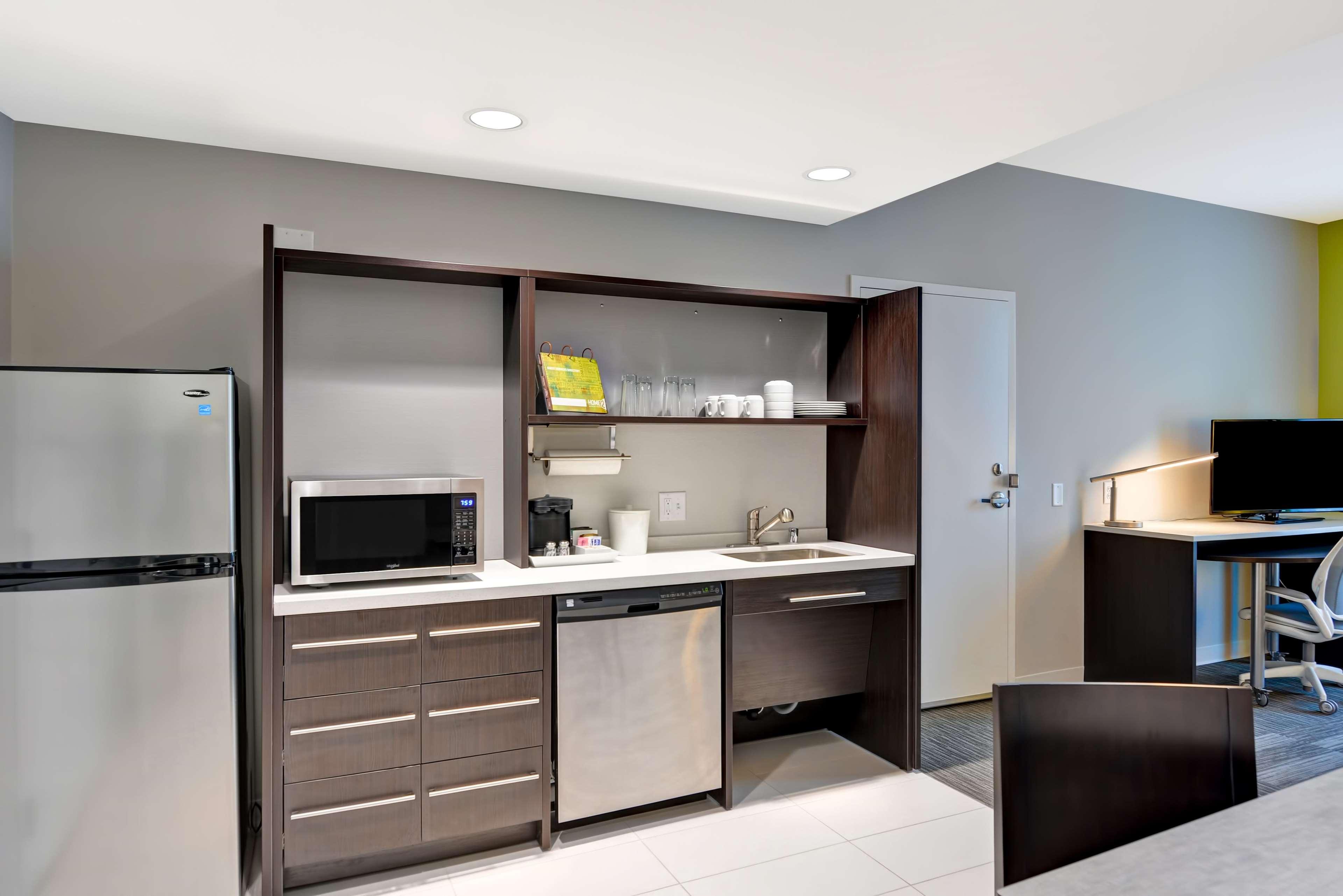 Home2 Suites by Hilton Azusa image 2