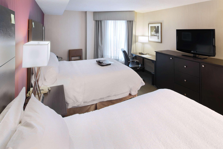 Hampton Inn & Suites Reagan National Airport image 27