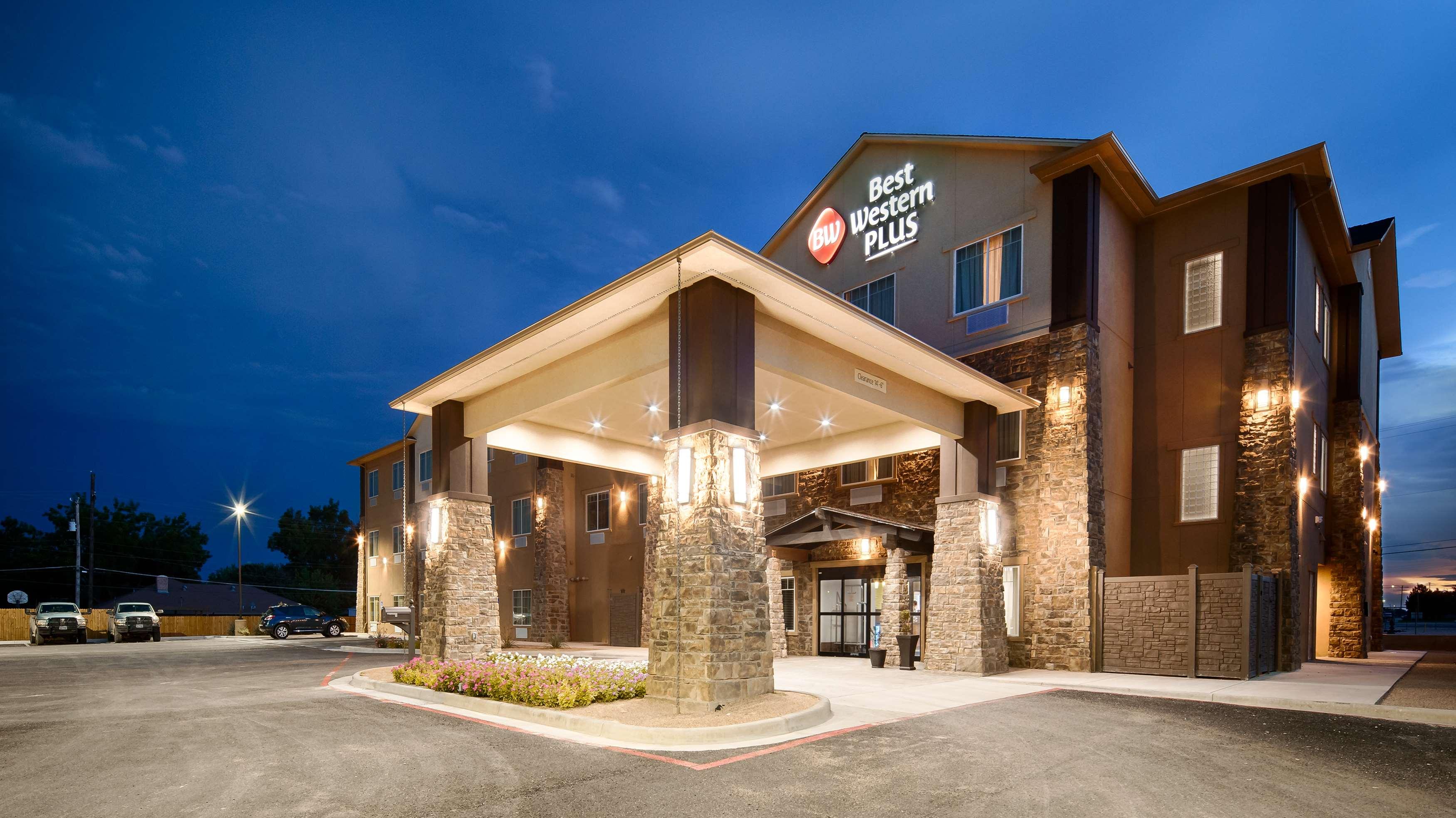 Best Western Plus Denver City Hotel & Suites image 1