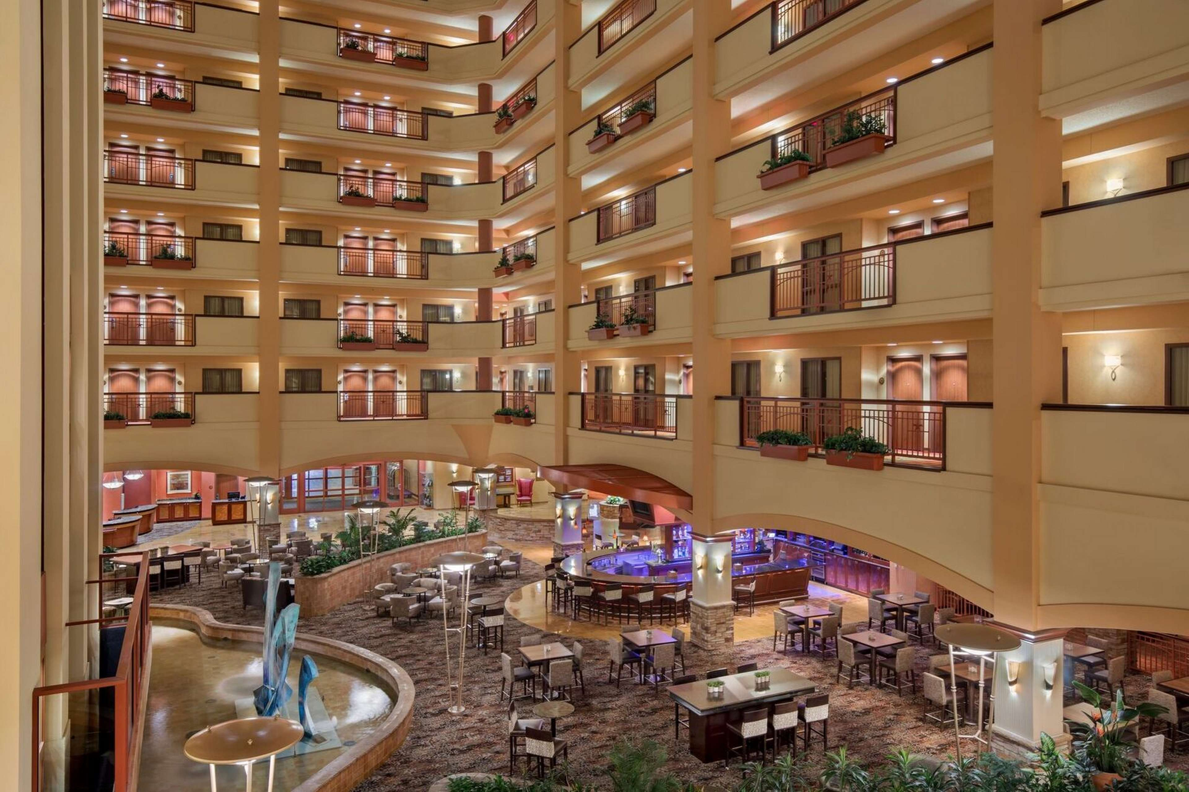 Embassy Suites by Hilton San Marcos Hotel Conference Center & Spa image 4