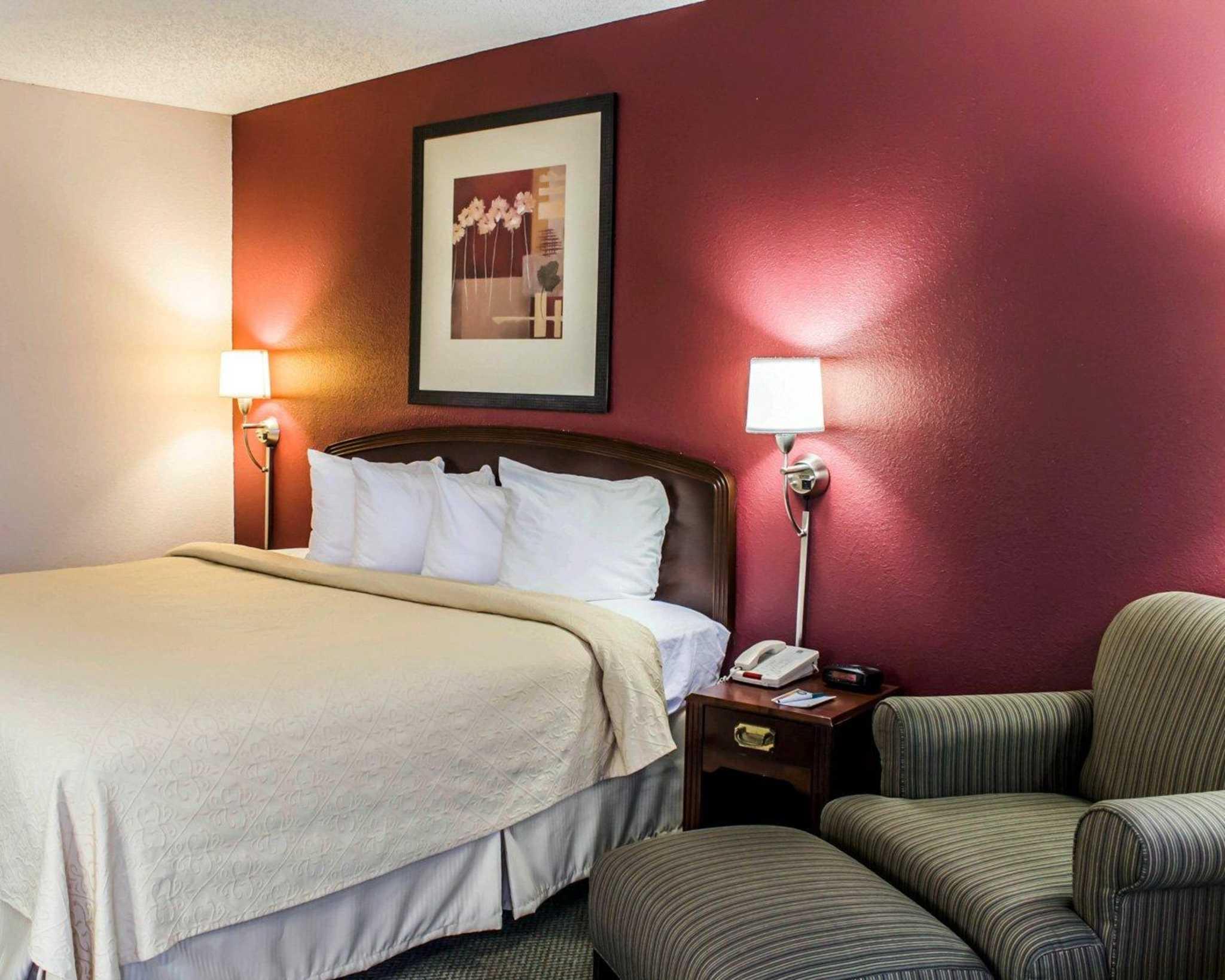 Quality Inn Roanoke near Lake Gaston image 8