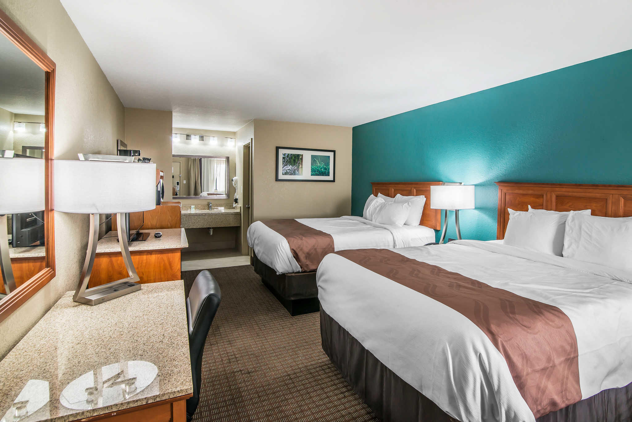 Quality Inn & Suites Near White Sands National Monument image 15