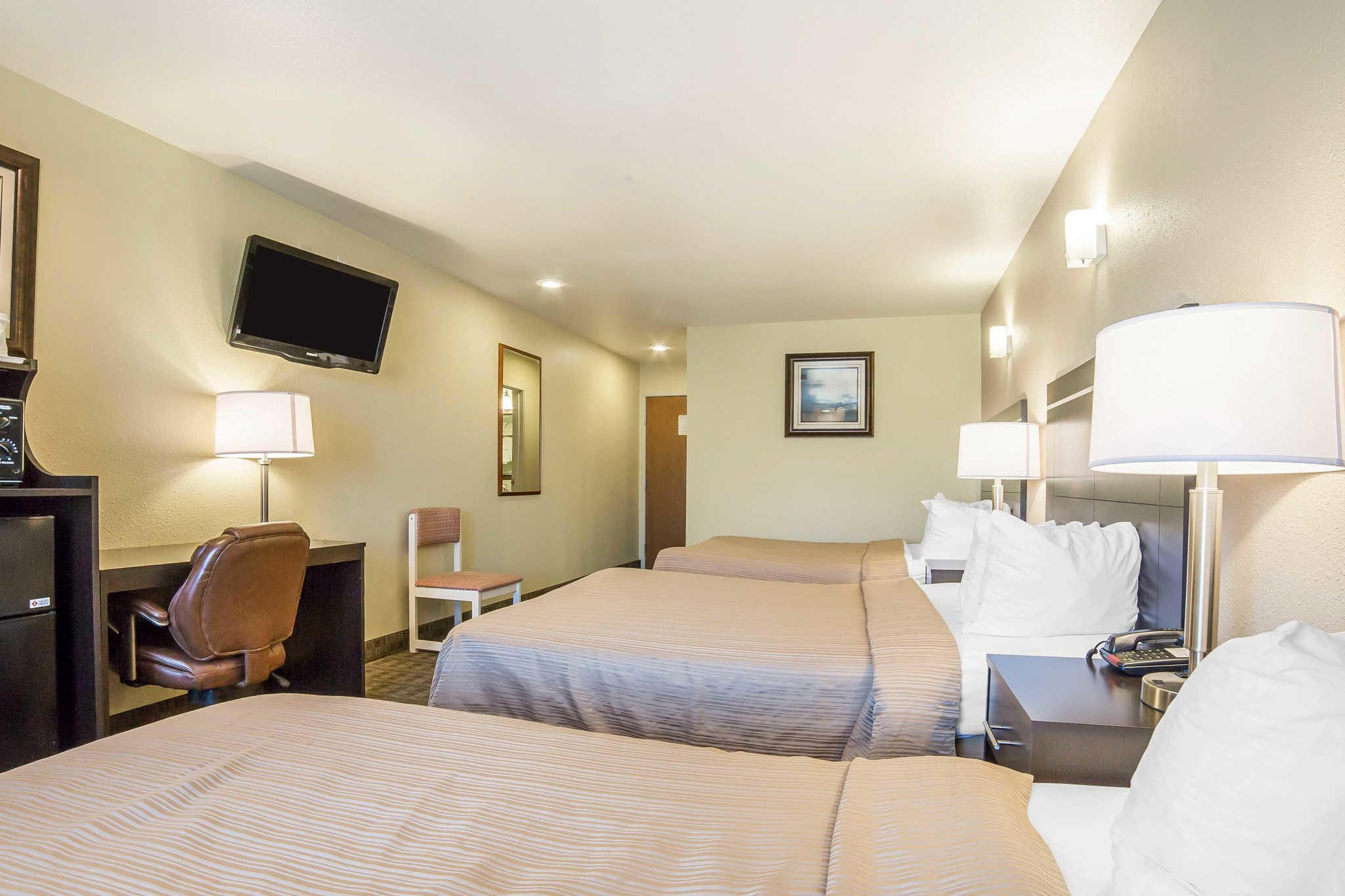 Quality Inn & Suites Elko image 22