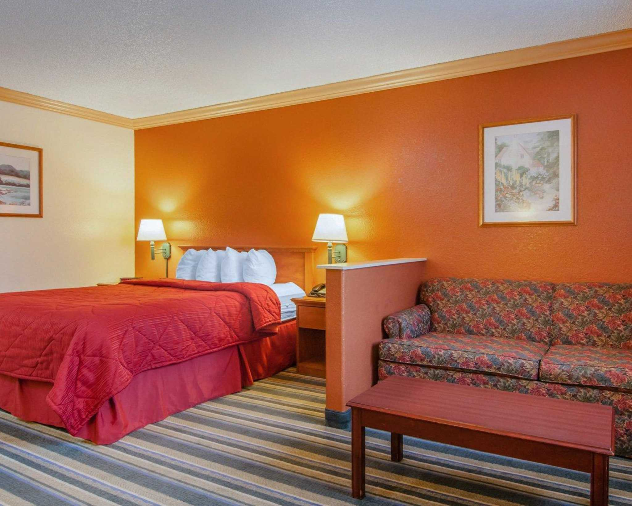 Quality Inn and Suites Airport image 21