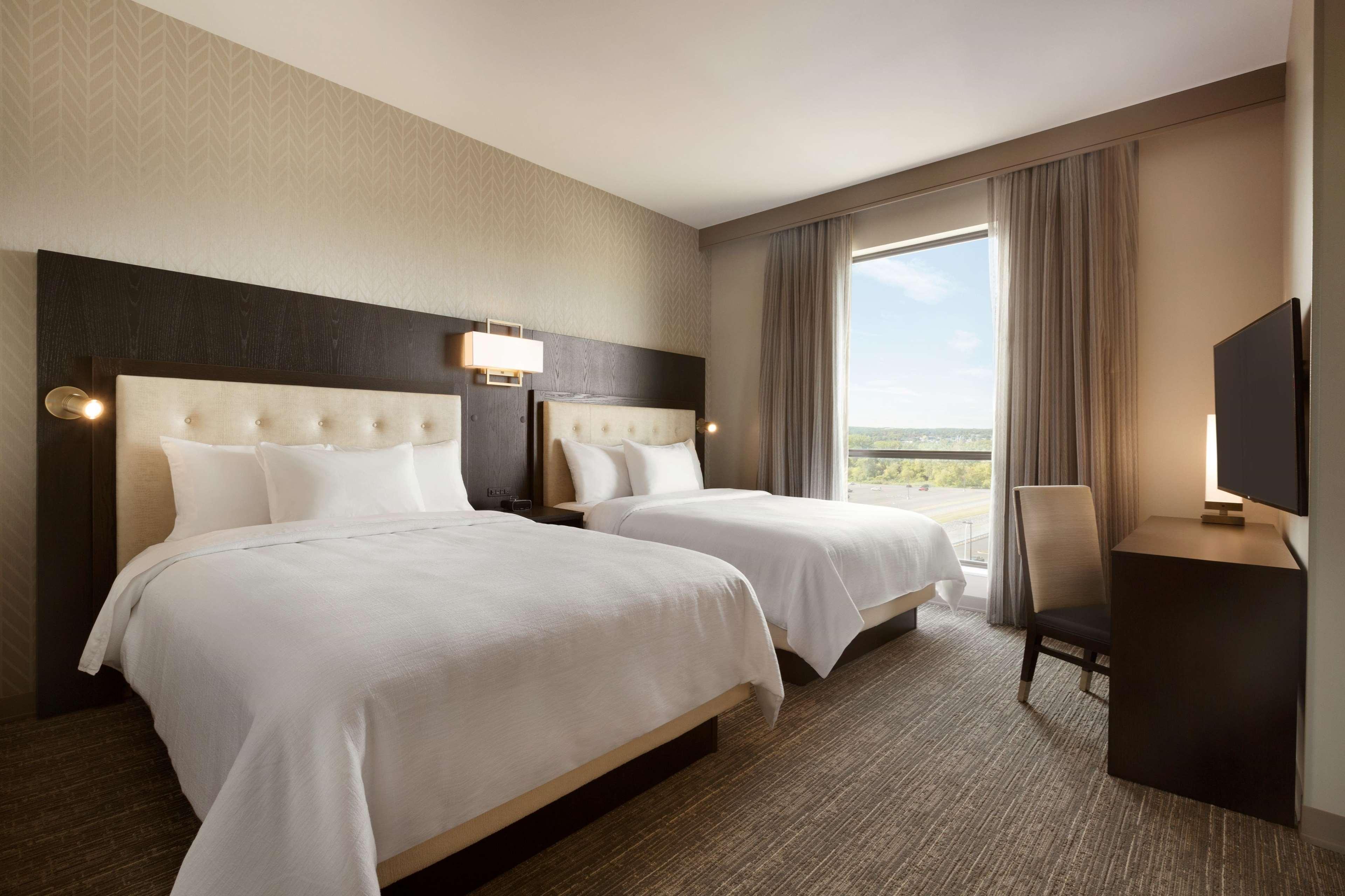 Embassy Suites by Hilton Syracuse Destiny USA image 11