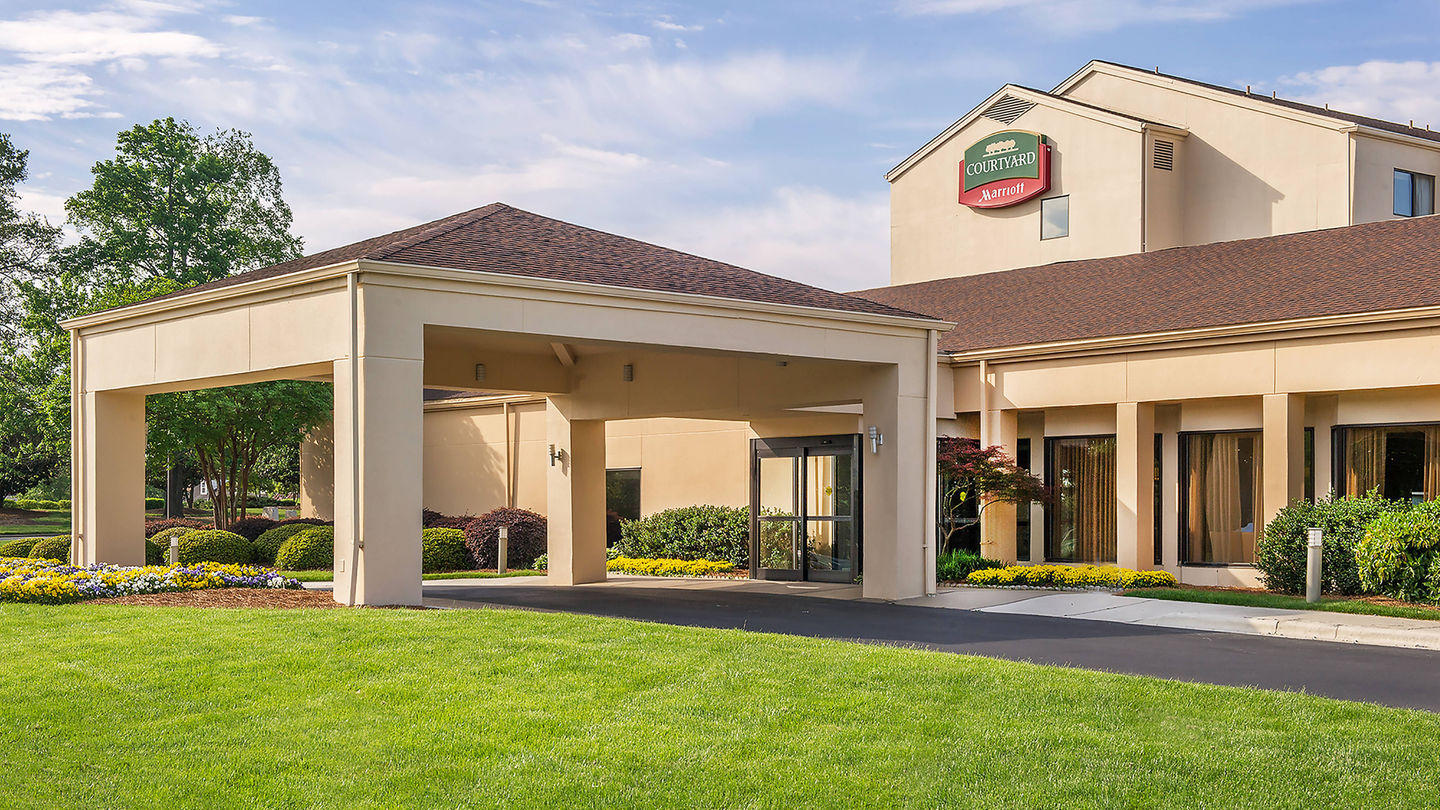 Courtyard by Marriott Charlotte University Research Park image 0