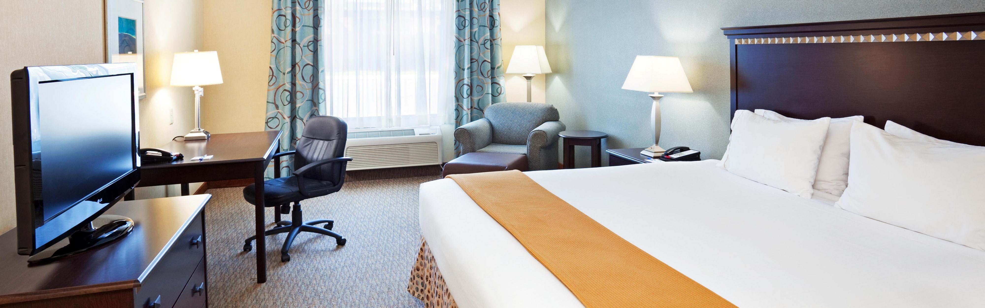Holiday Inn Express & Suites Smyrna-Nashville Area image 1