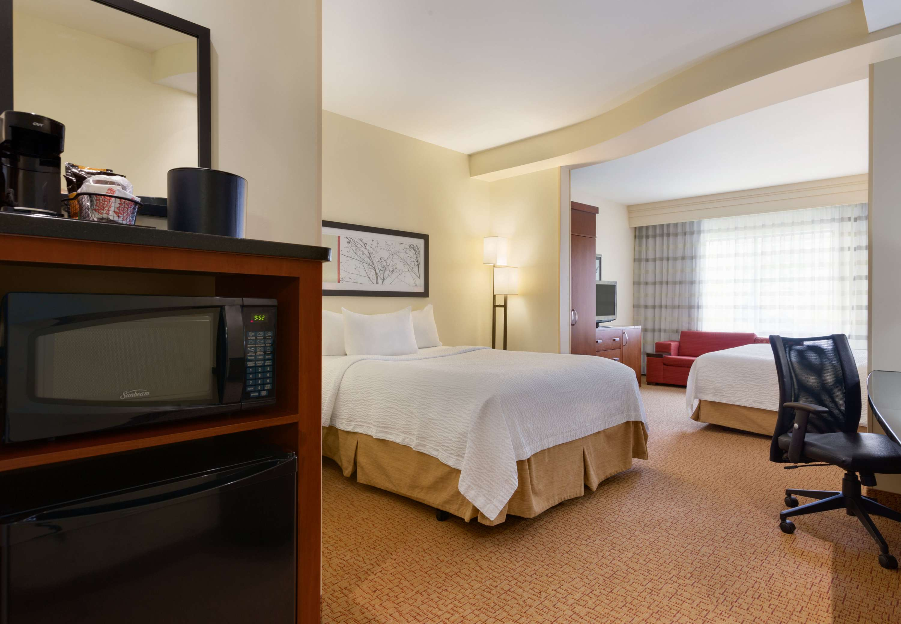 Courtyard by Marriott Pittsburgh Washington/Meadow Lands image 5