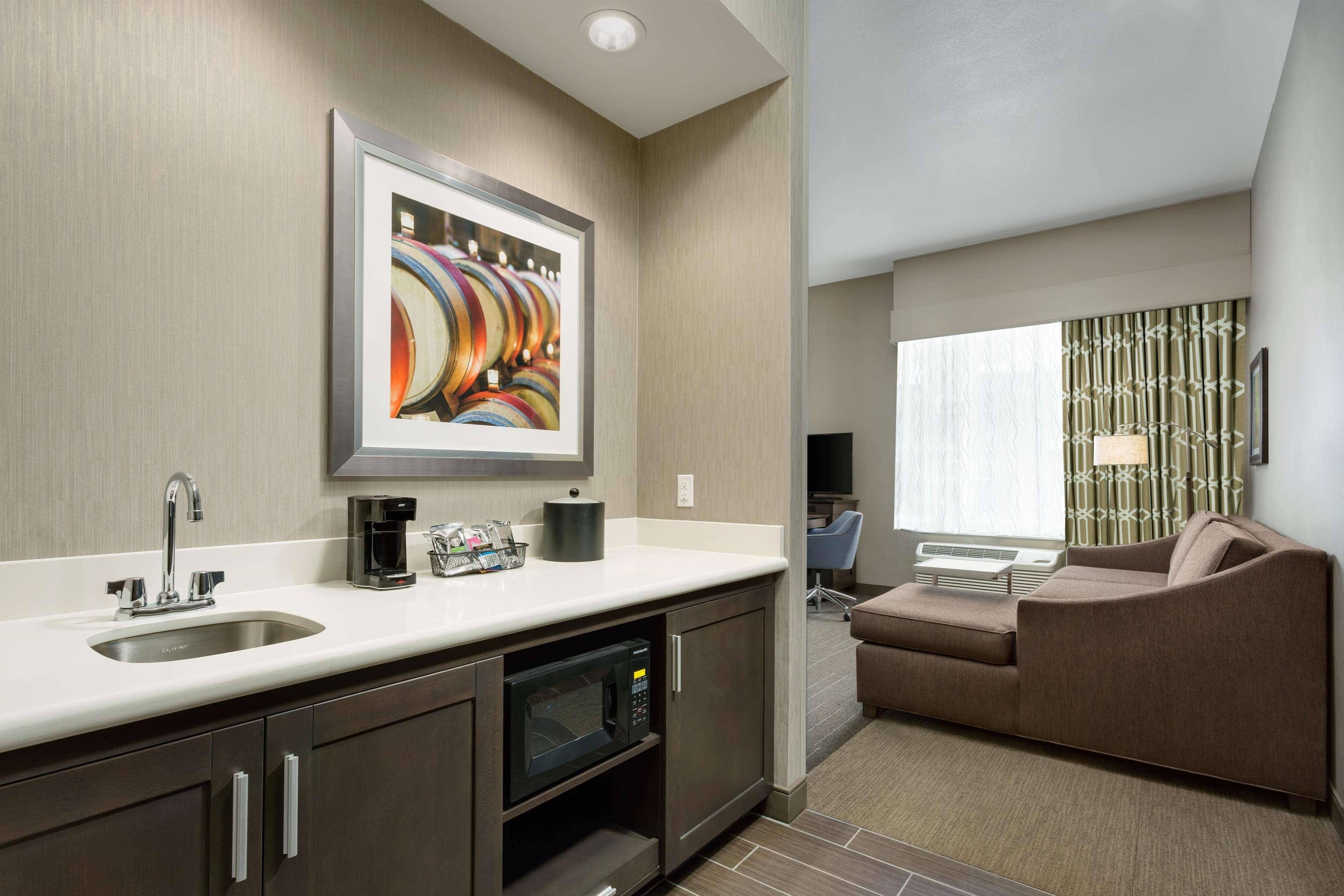 Hampton Inn & Suites Napa image 5