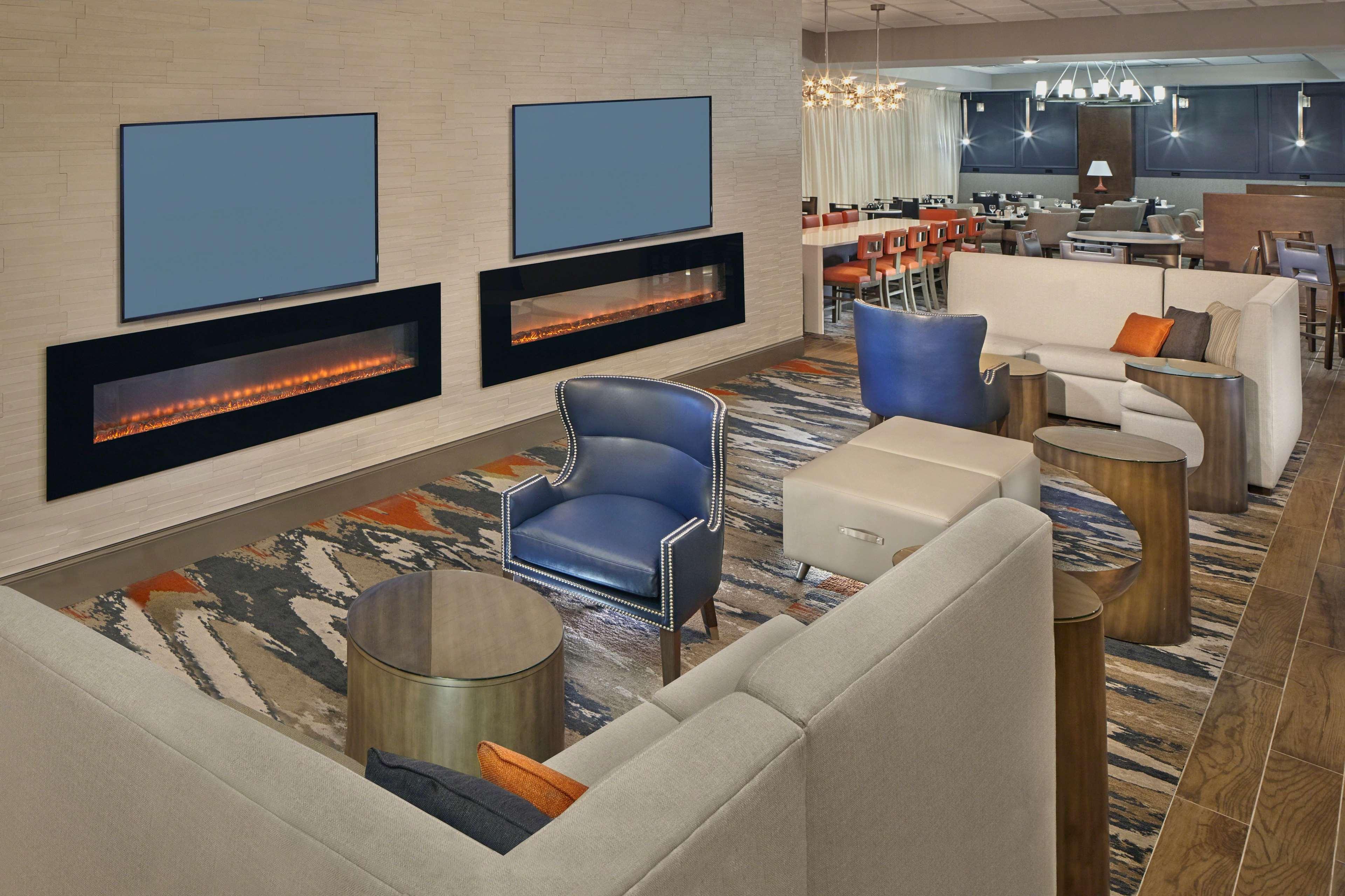 DoubleTree by Hilton Hotel Little Rock image 6