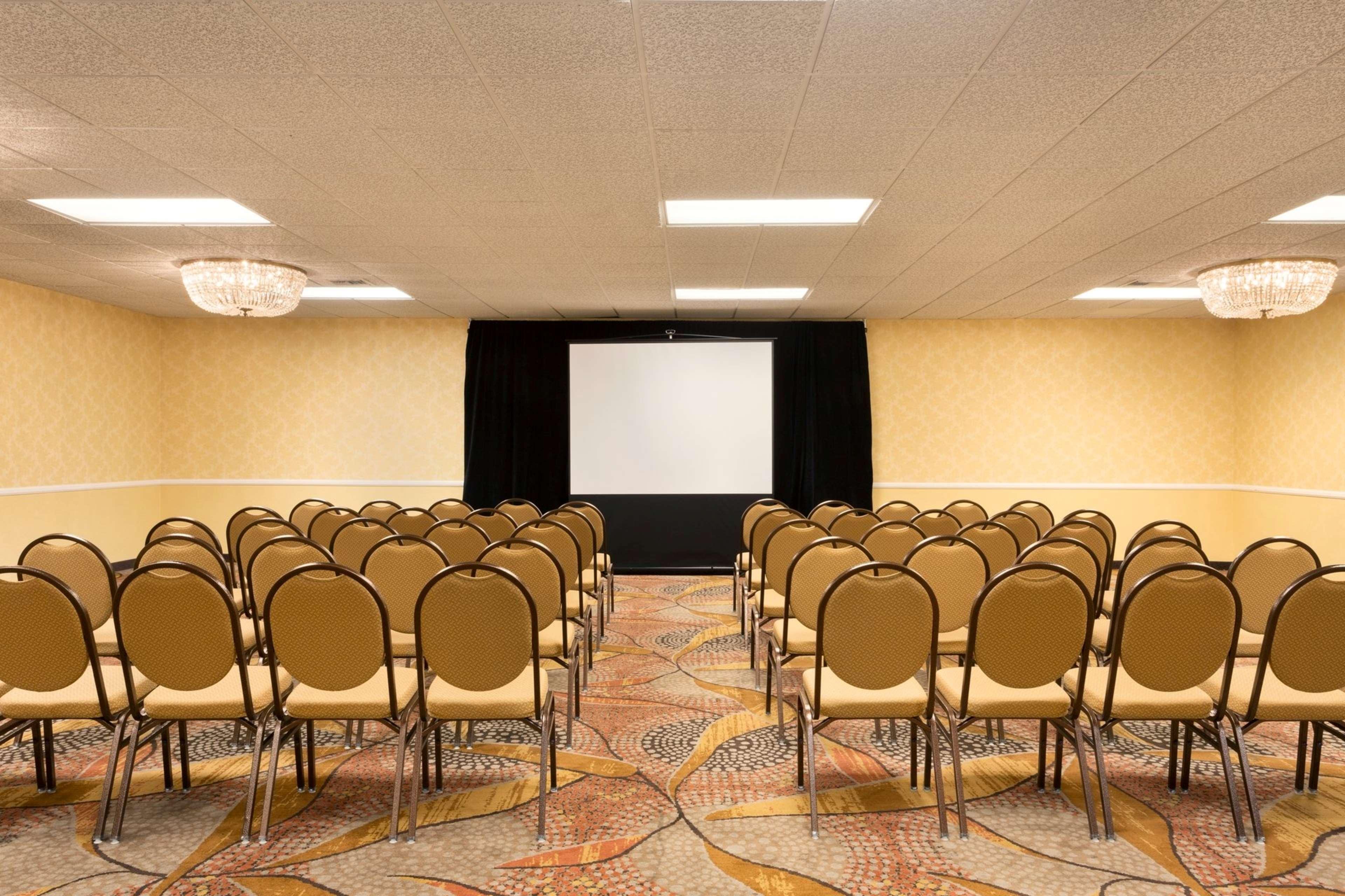 Embassy Suites by Hilton Arcadia Pasadena Area image 33