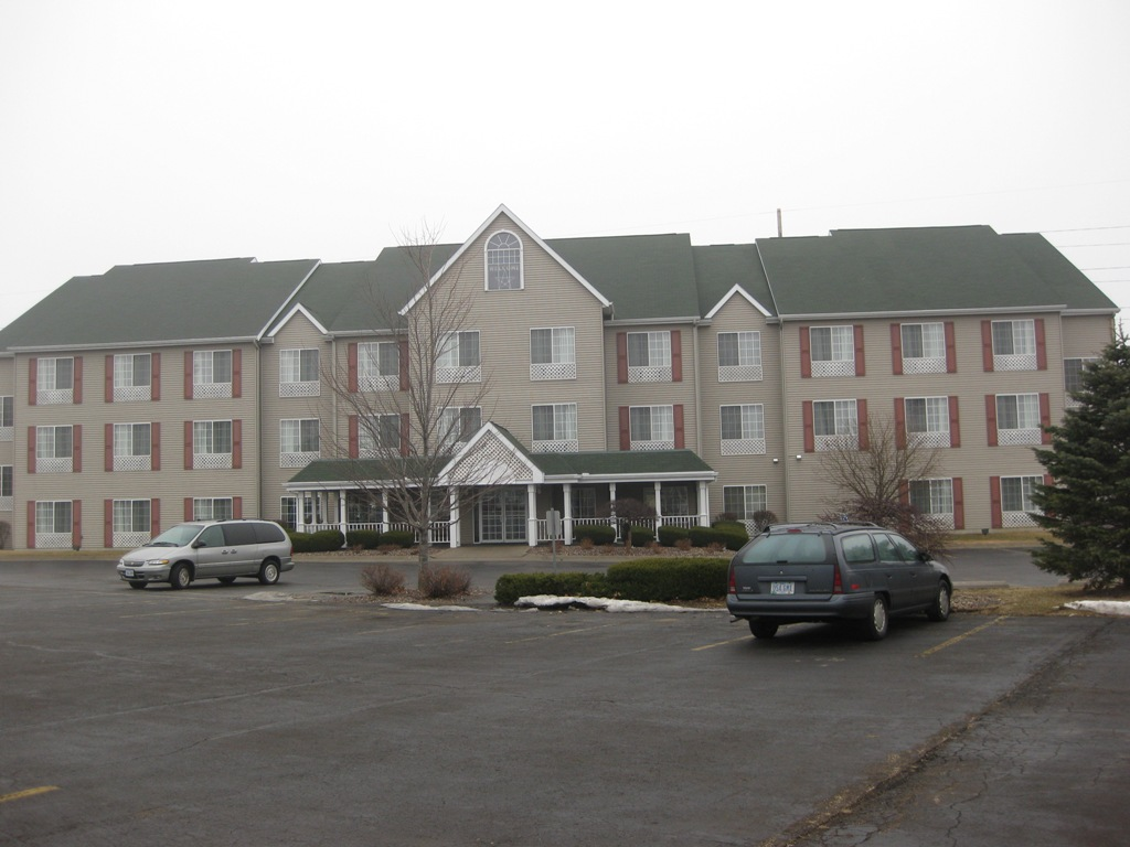 Country Inn & Suites by Radisson, Clinton, IA image 0
