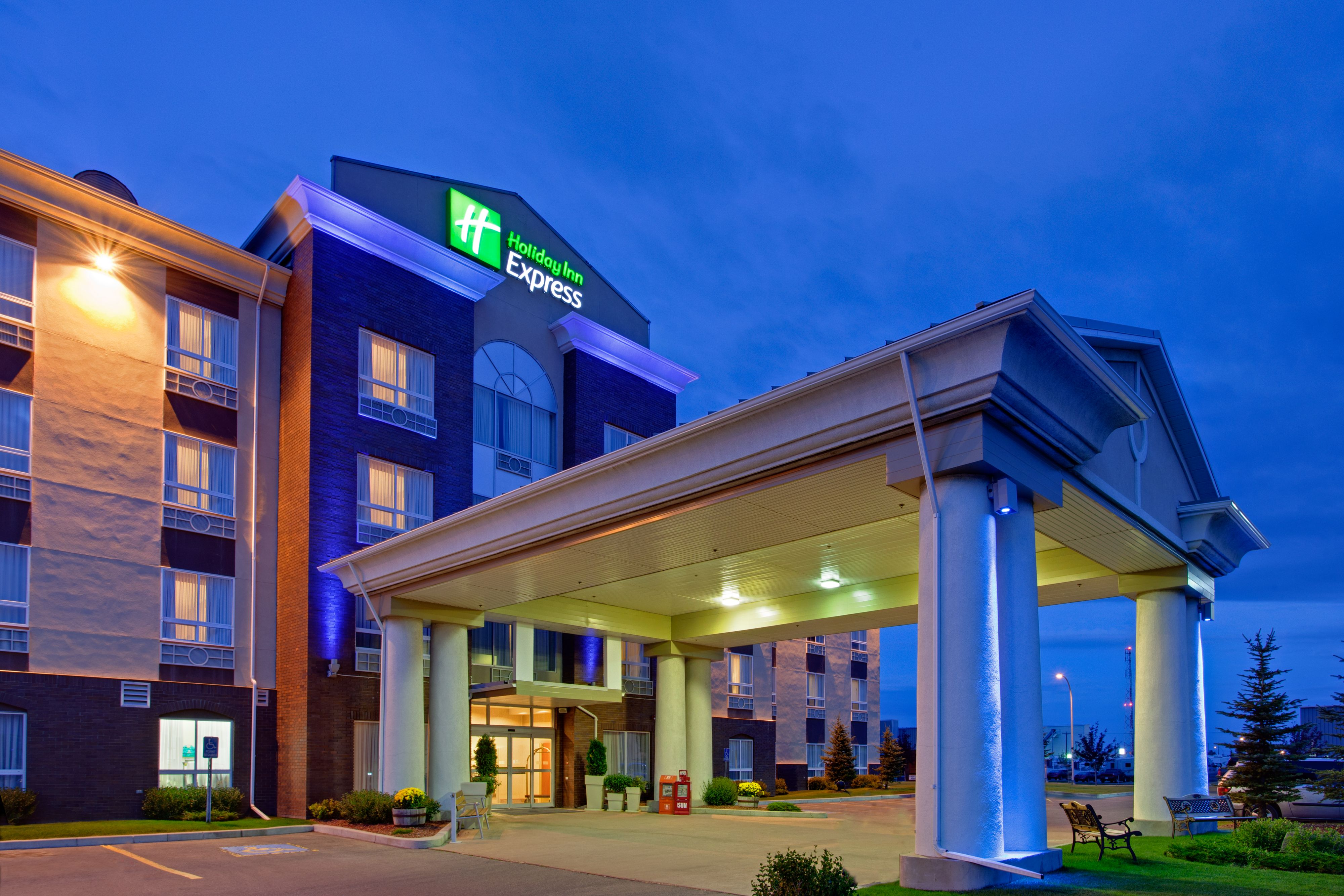 Top Things To See In Monroe Mi Hotels Near Oh Lodging Windsor On Redford Livonia Budget Adrian