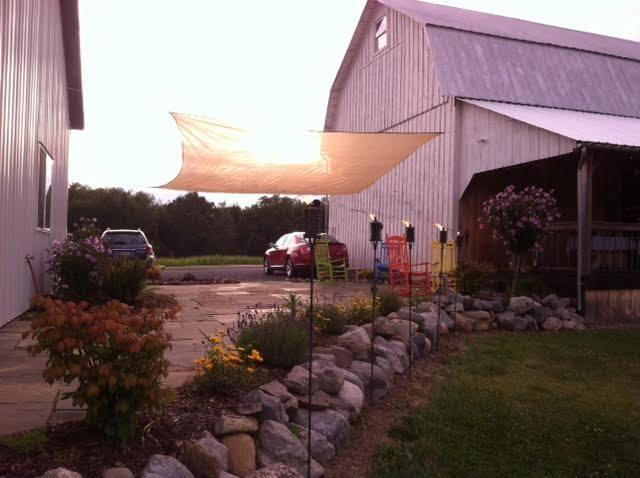 Izzo's White Barn Winery image 7