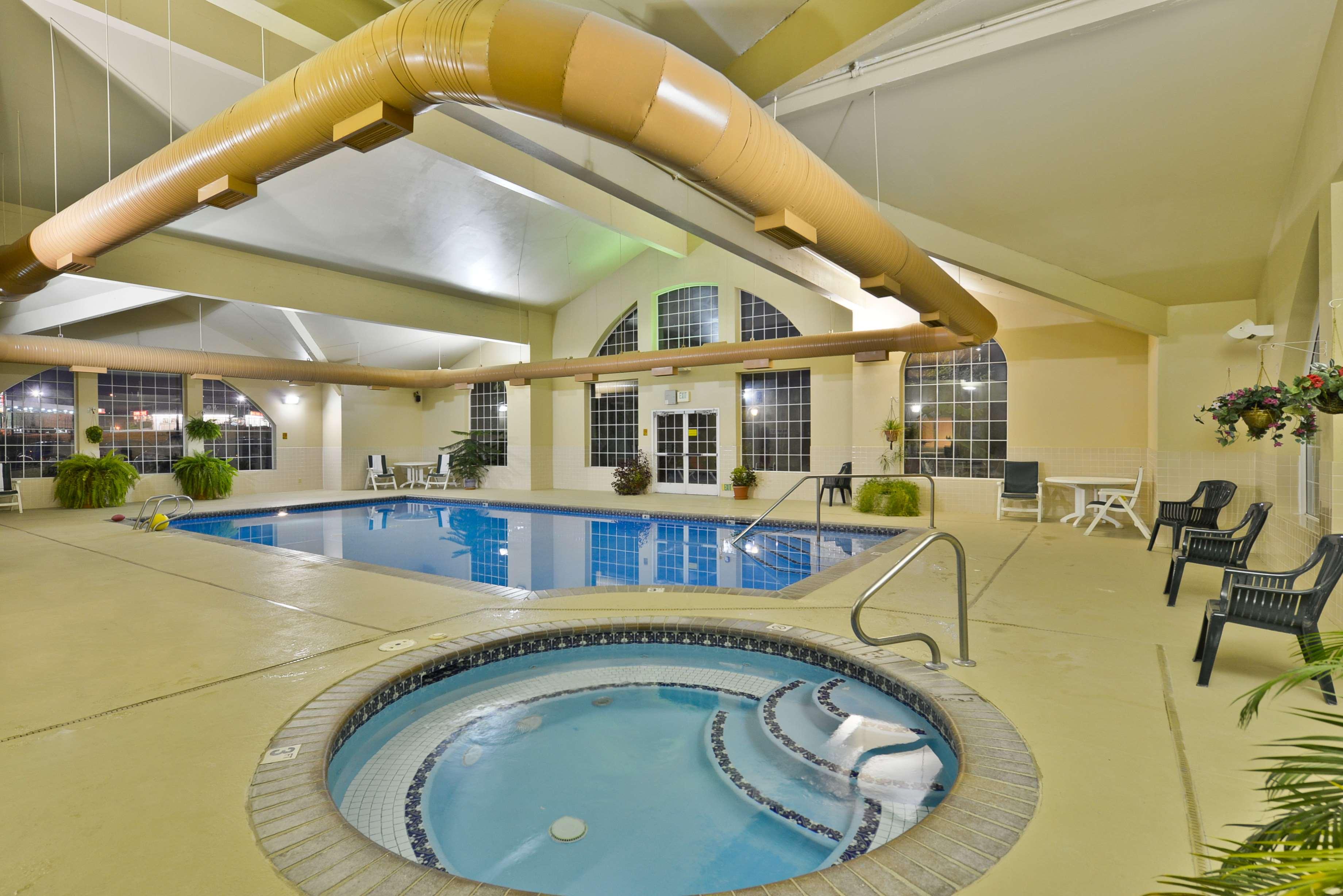 Best Western Plus Caldwell Inn & Suites image 15