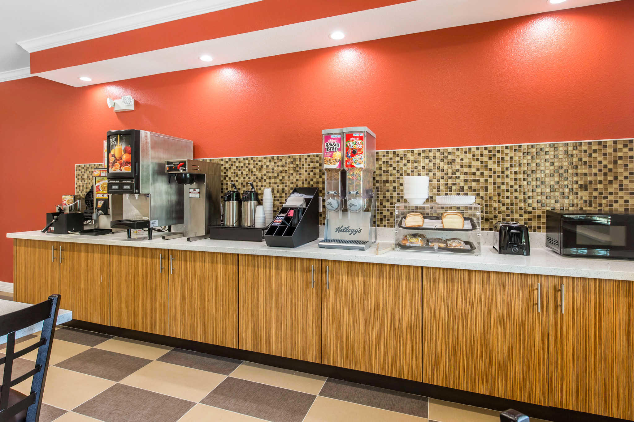 Econo Lodge Inn & Suites Spring - Houston North image 18