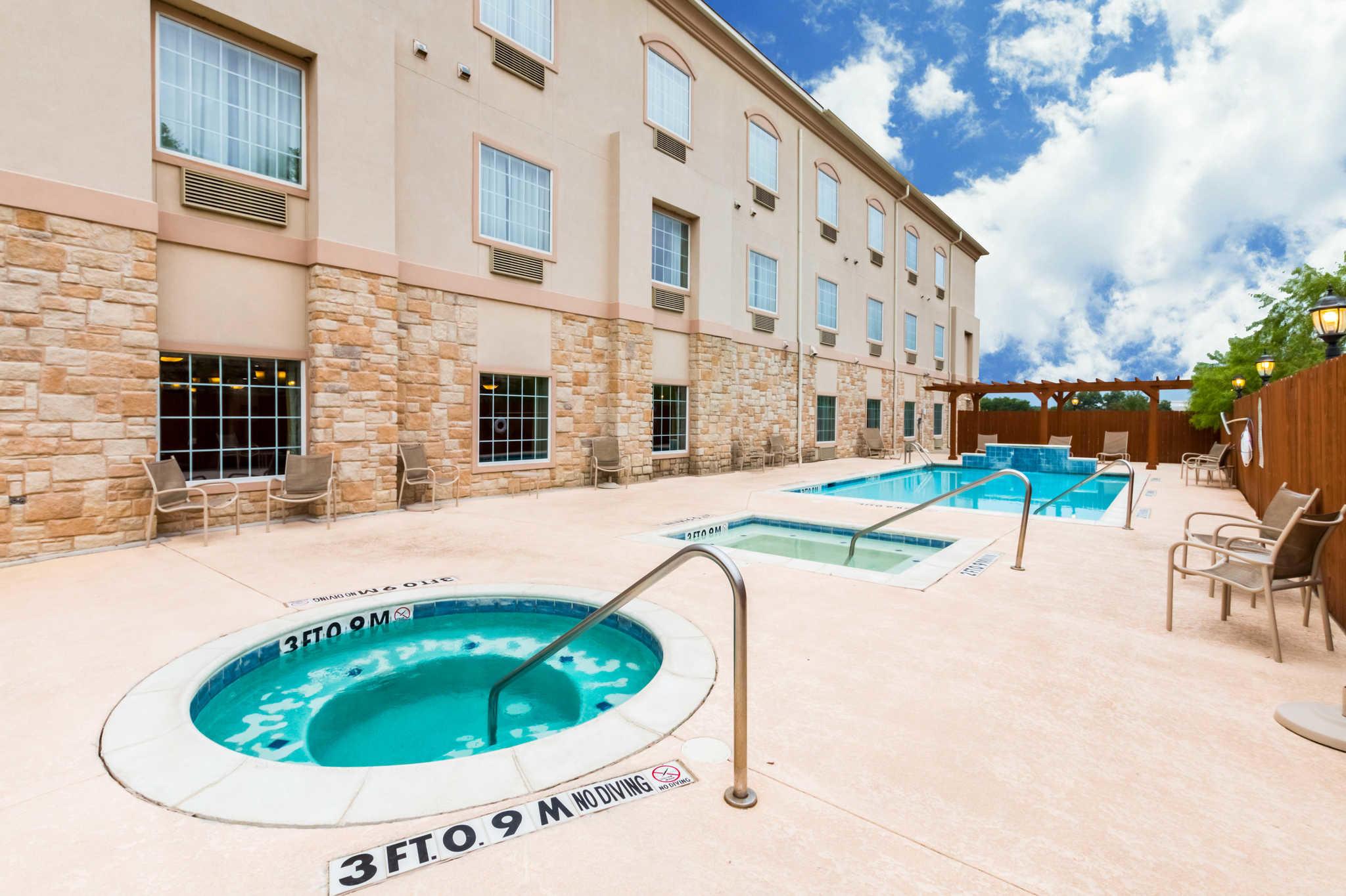 Comfort Inn & Suites near Comanche Peak image 33