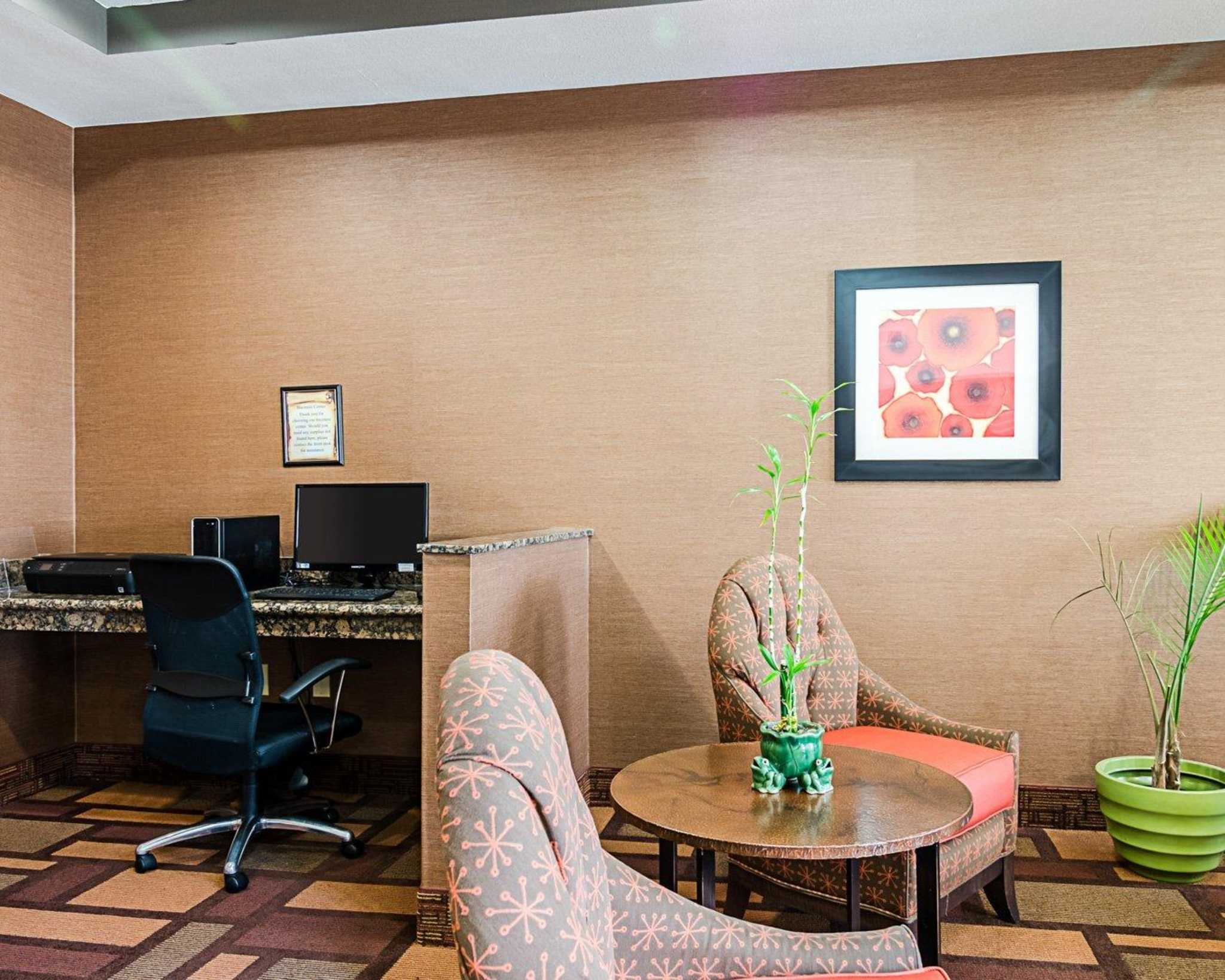 Comfort Inn & Suites Lawrence - University Area image 35