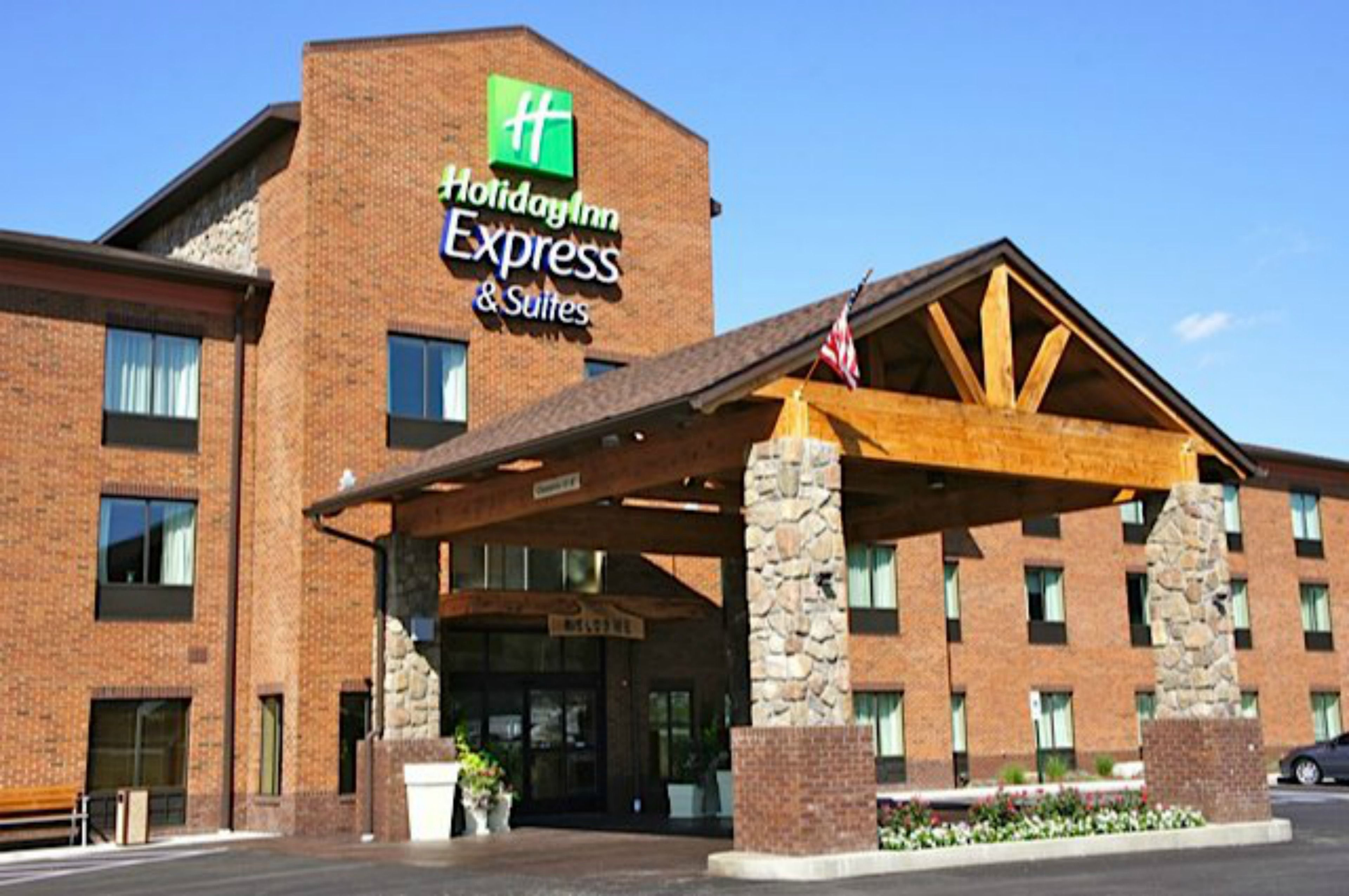 Holiday Inn Express & Suites Dinuba West image 5