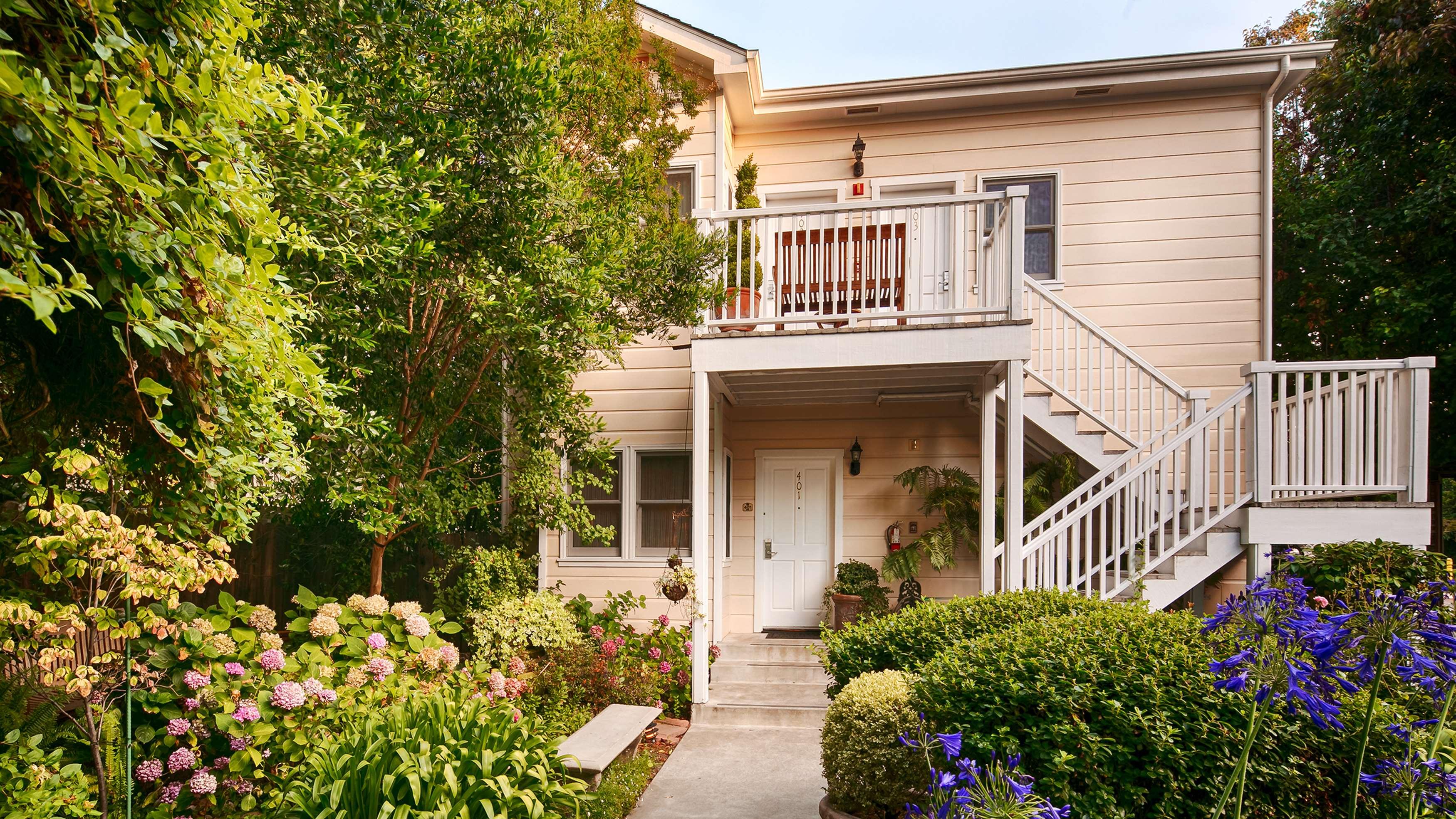 Best Western Plus Elm House Inn image 5
