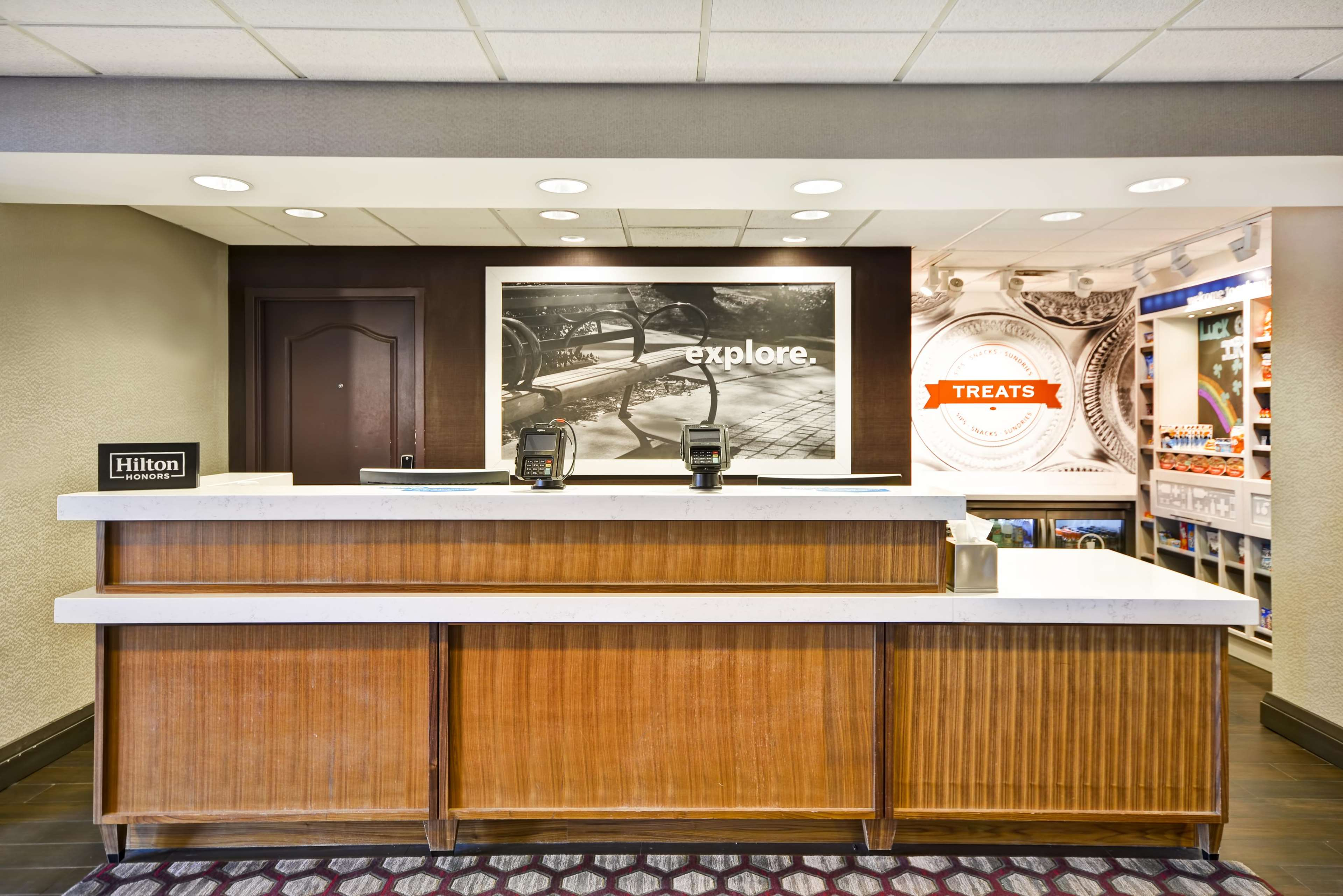 Hampton Inn & Suites Columbus-Easton Area image 7