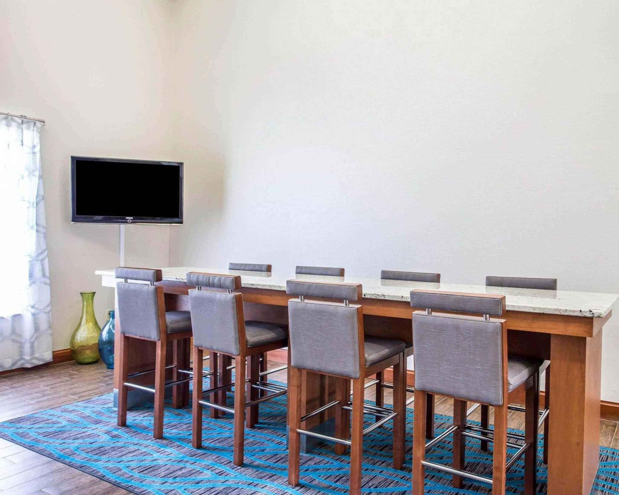 Comfort Inn & Suites - Walterboro, SC - Business Information