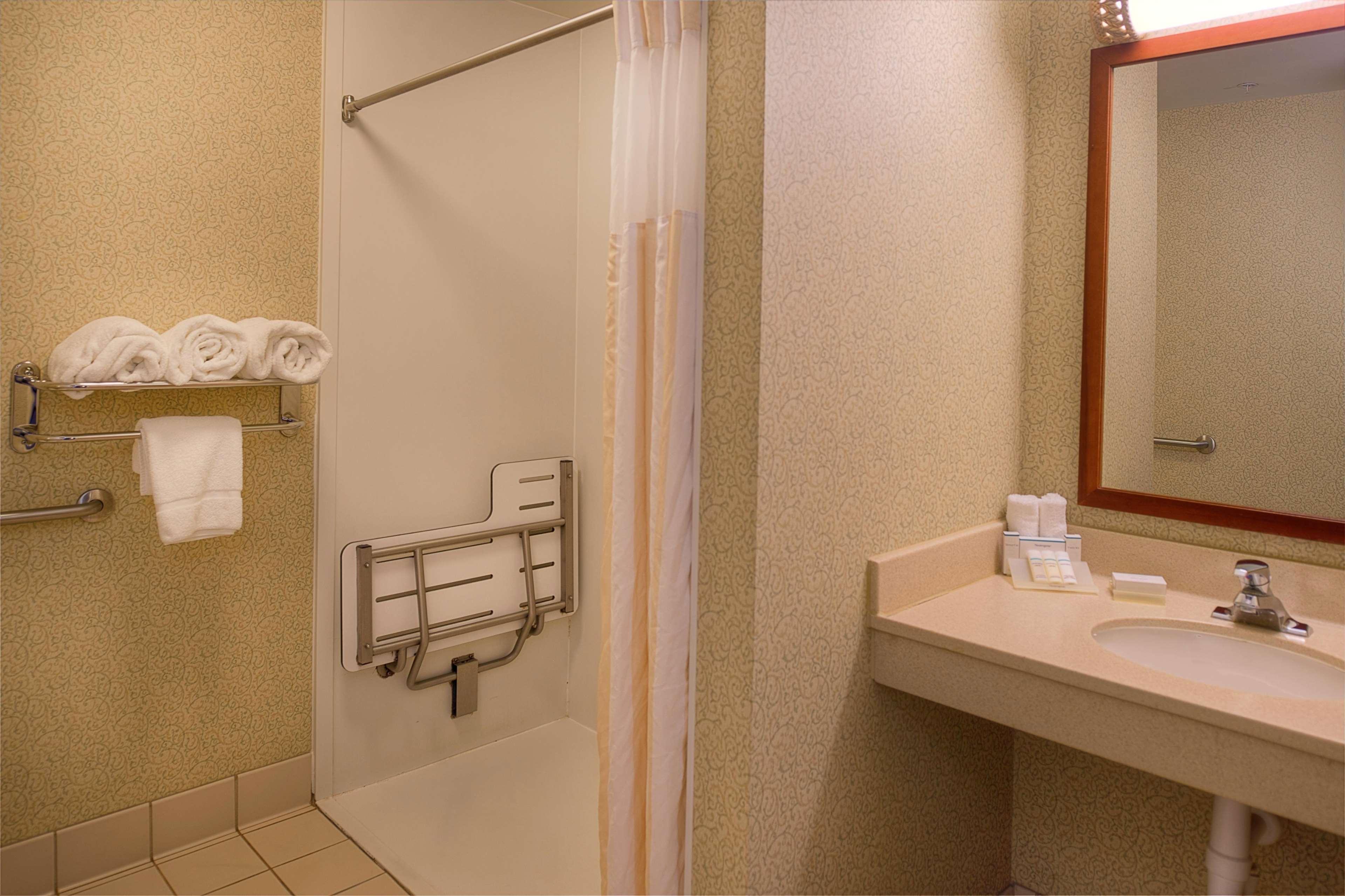 Hilton Garden Inn St. Louis/O\'Fallon 2310 Technology Dr O\'Fallon, MO ...
