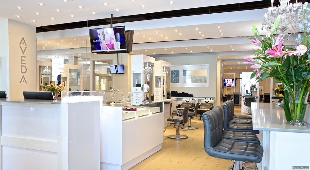 Salon deauville coiffure spa montr al qc ourbis for Piscine spa deauville