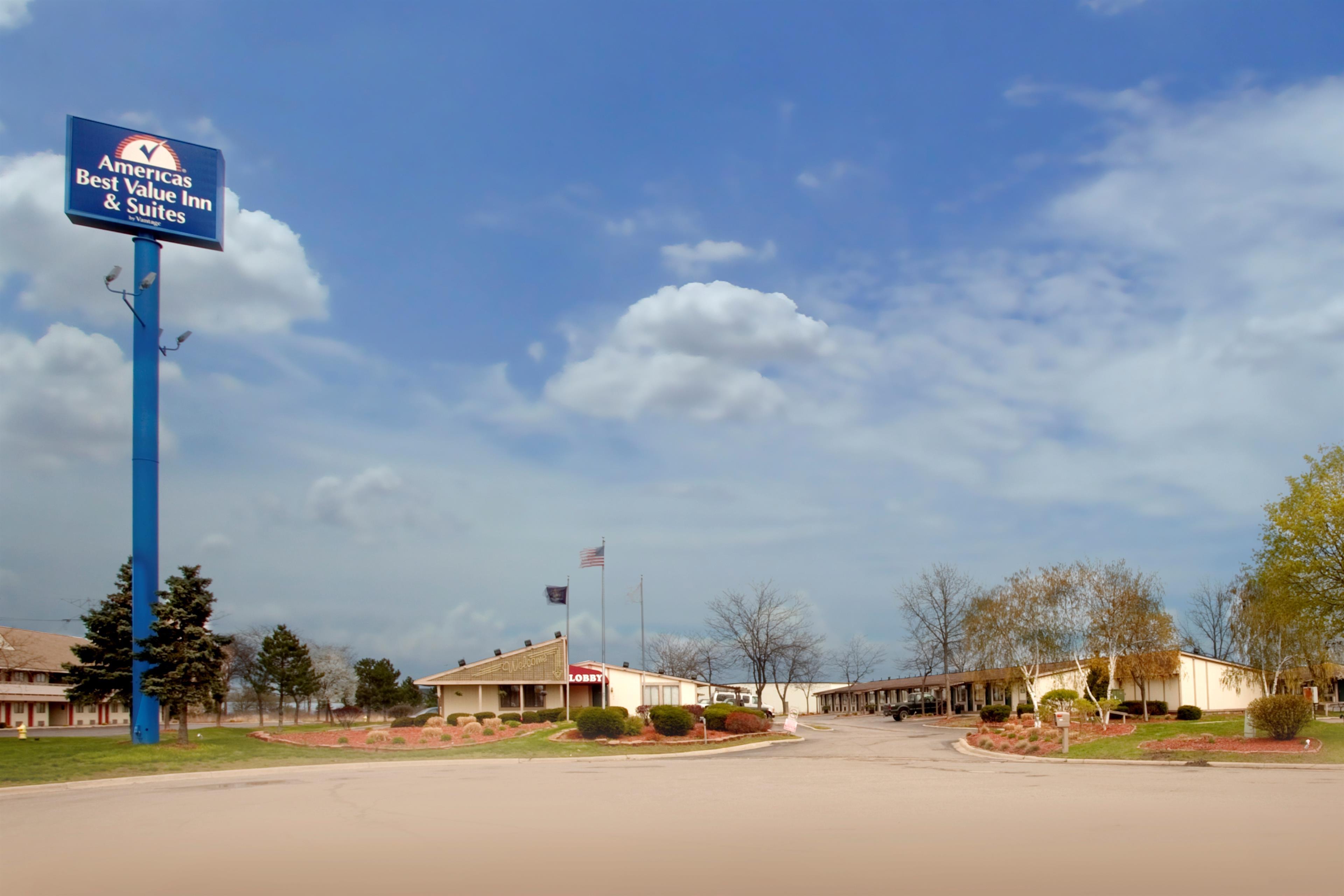 Americas Best Value Inn & Suites Monroe image 1