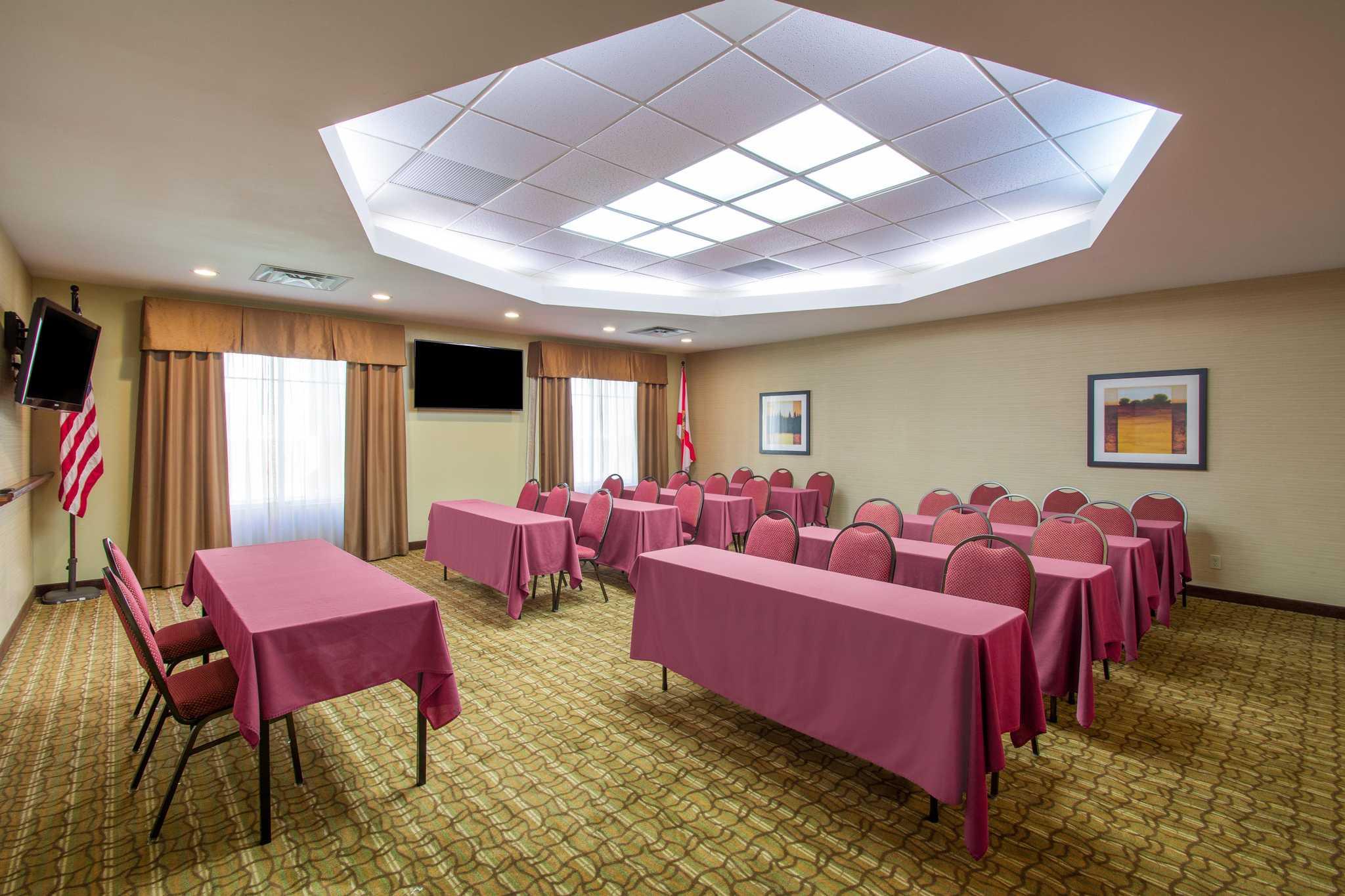 Comfort Suites Near Universal Orlando Resort image 28