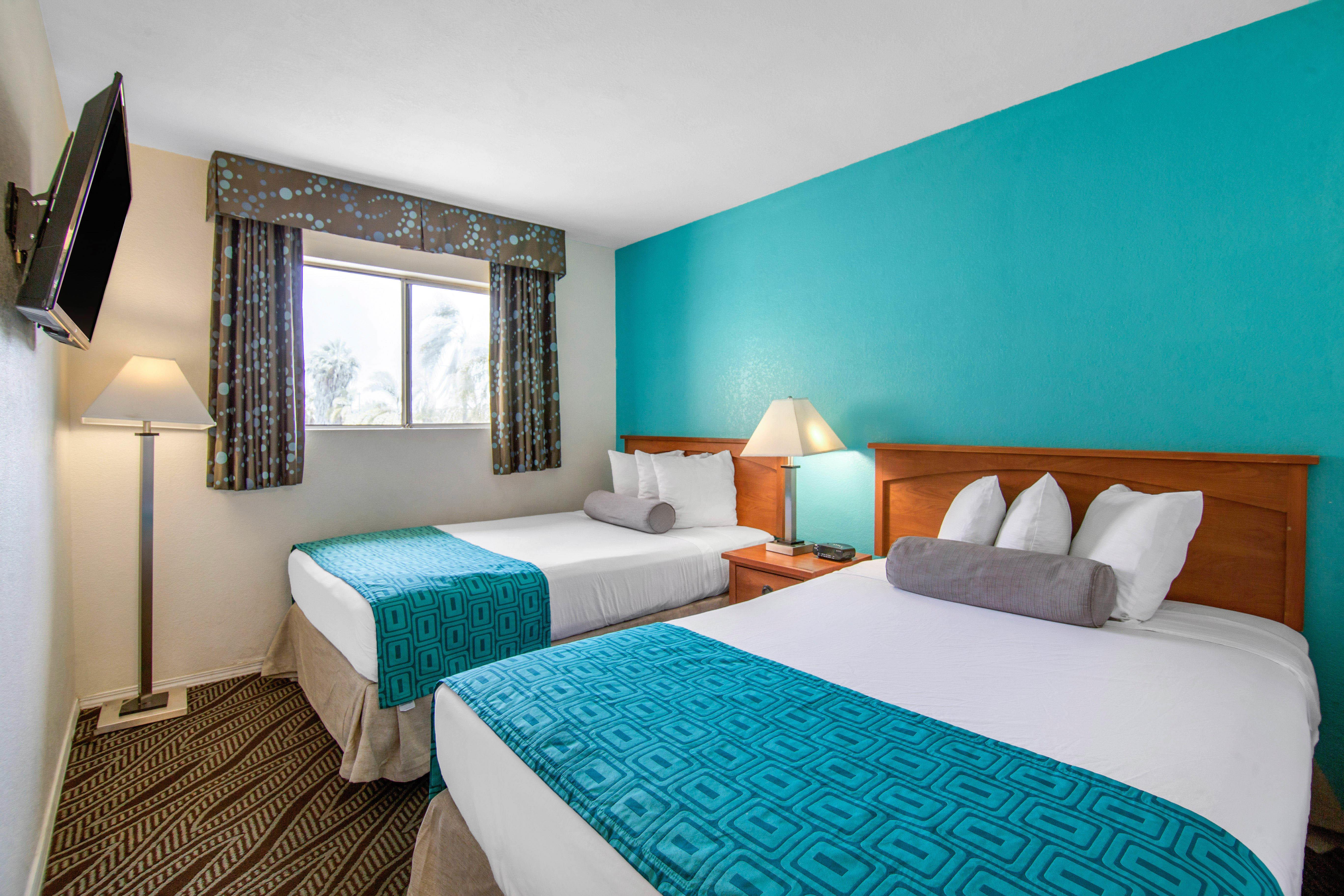 Howard Johnson by Wyndham Chula Vista San Diego Suite Hotel image 14