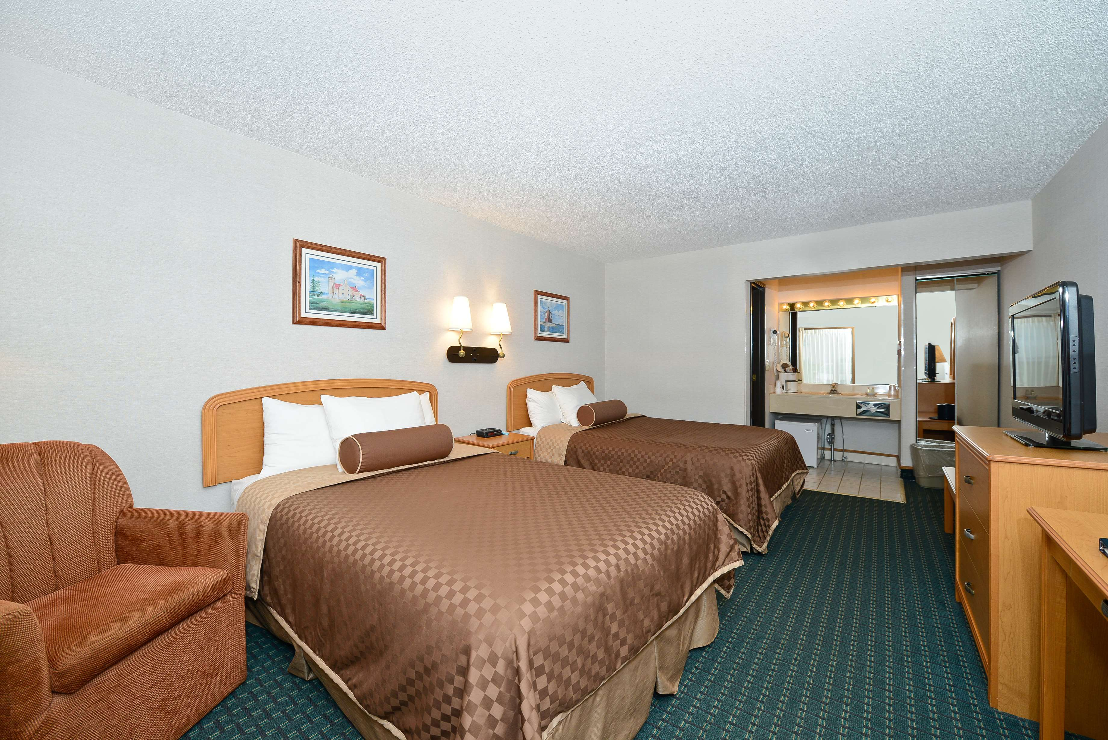 Best Western Harbour Pointe Lakefront image 47