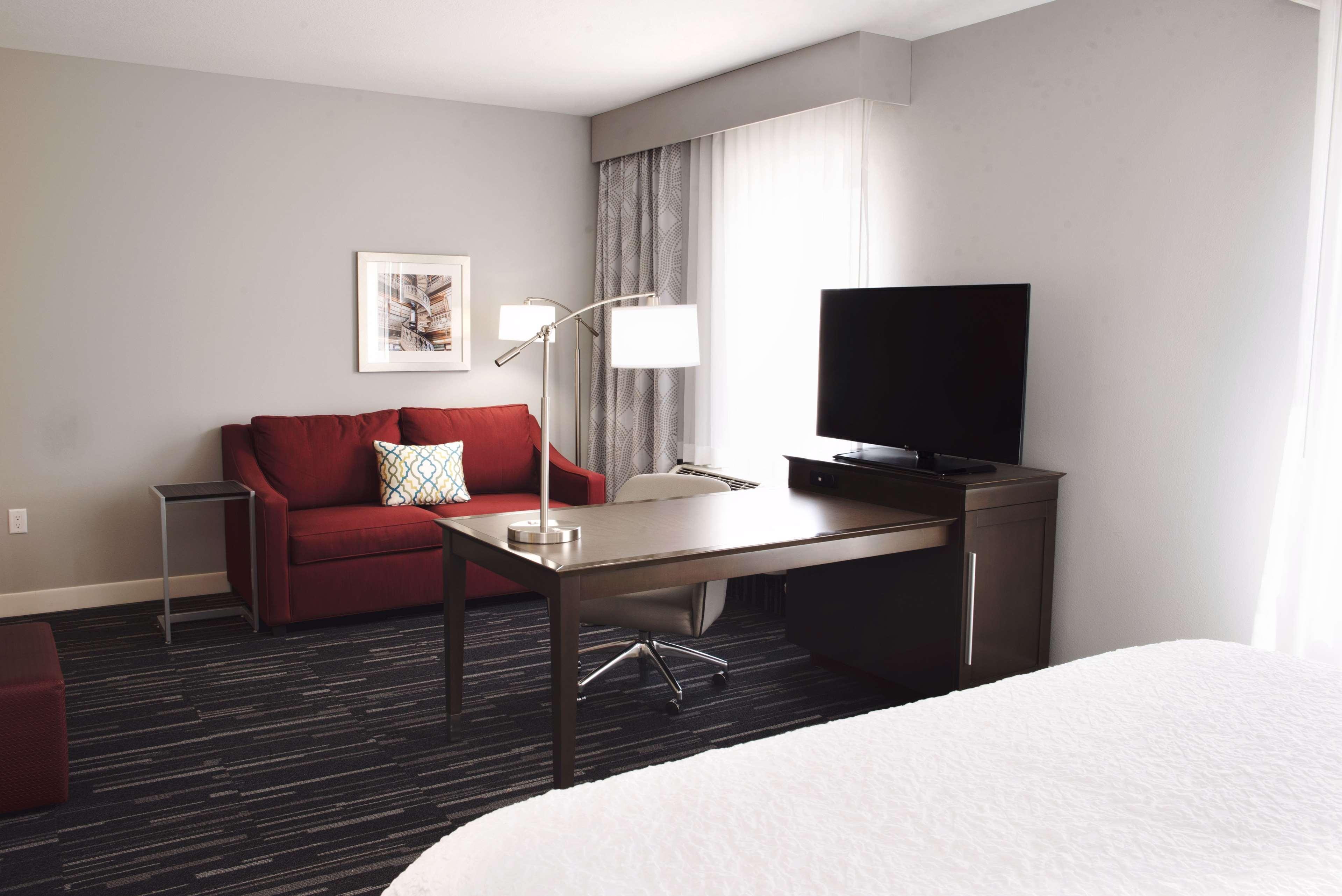 Hampton Inn & Suites Des Moines/Urbandale image 28