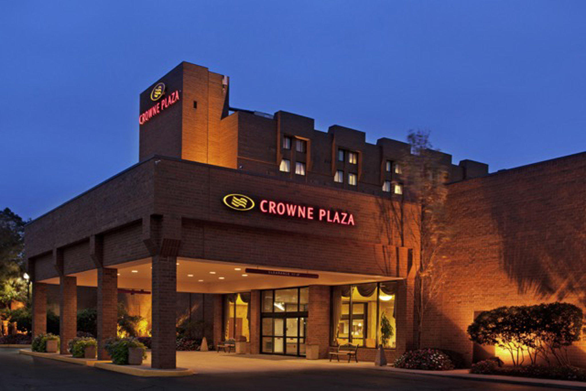 Crowne Plaza Columbus North- Worthington, an IHG Hotel