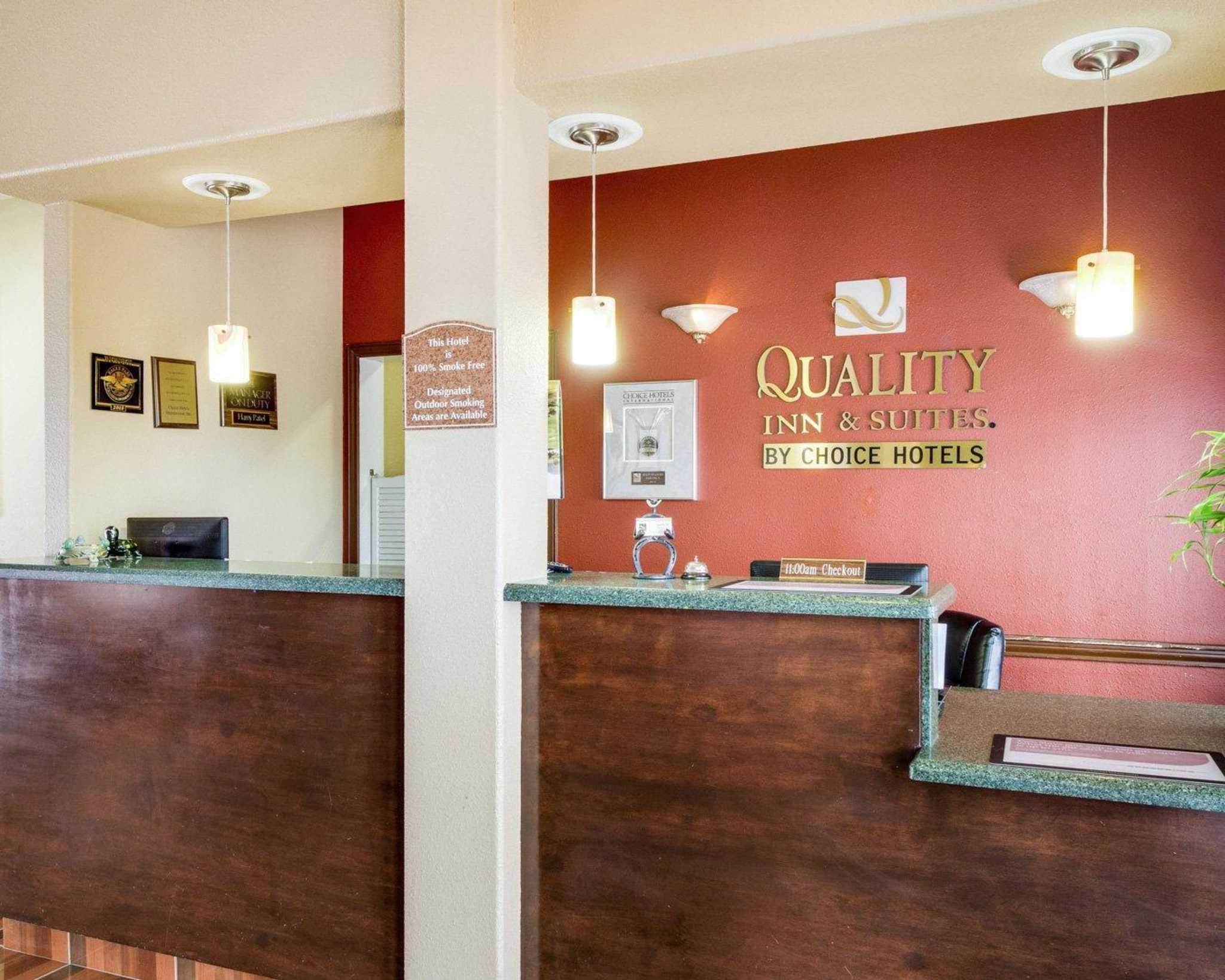 Quality Inn & Suites Eagle Pass image 11