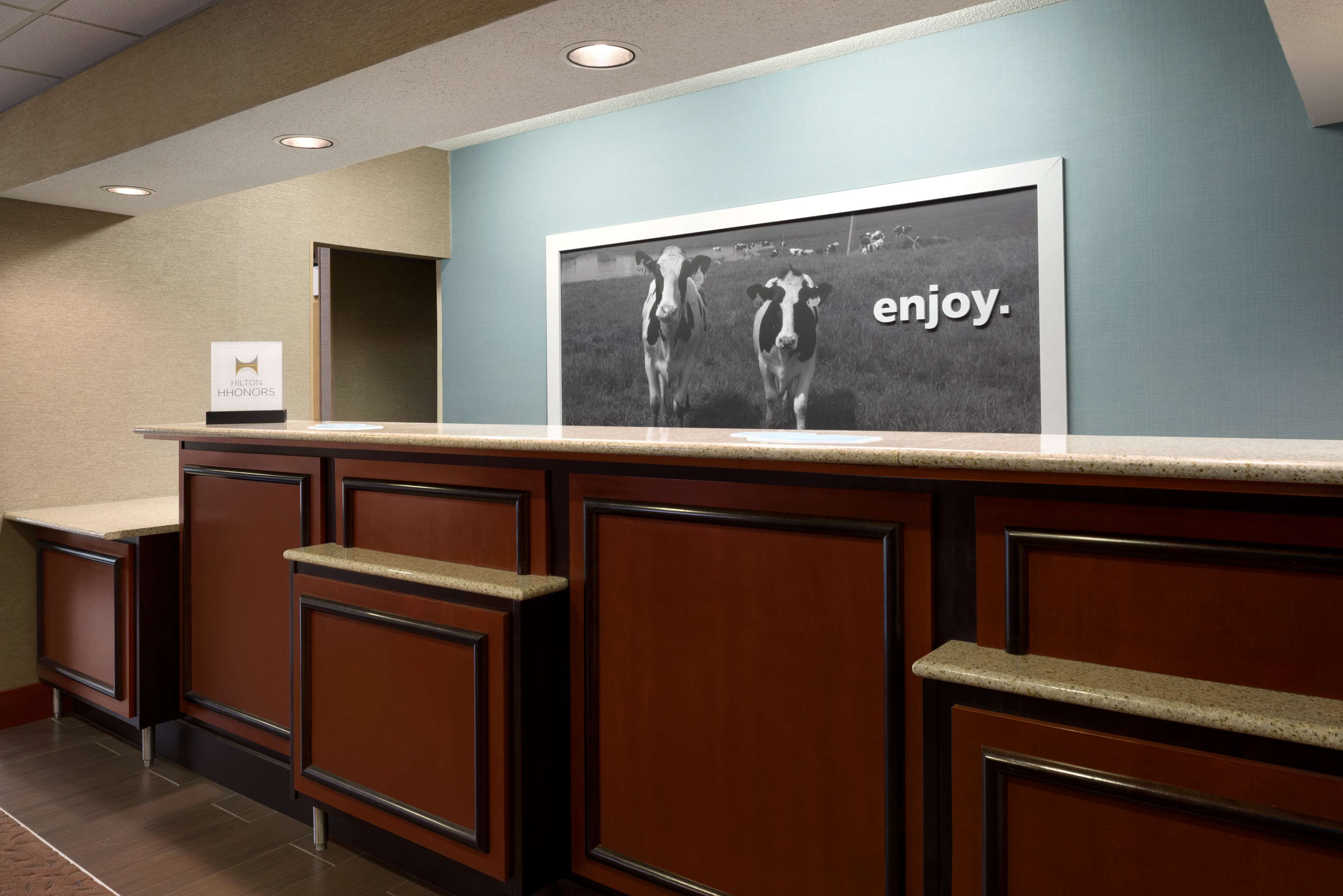 Hampton Inn Battle Creek image 4