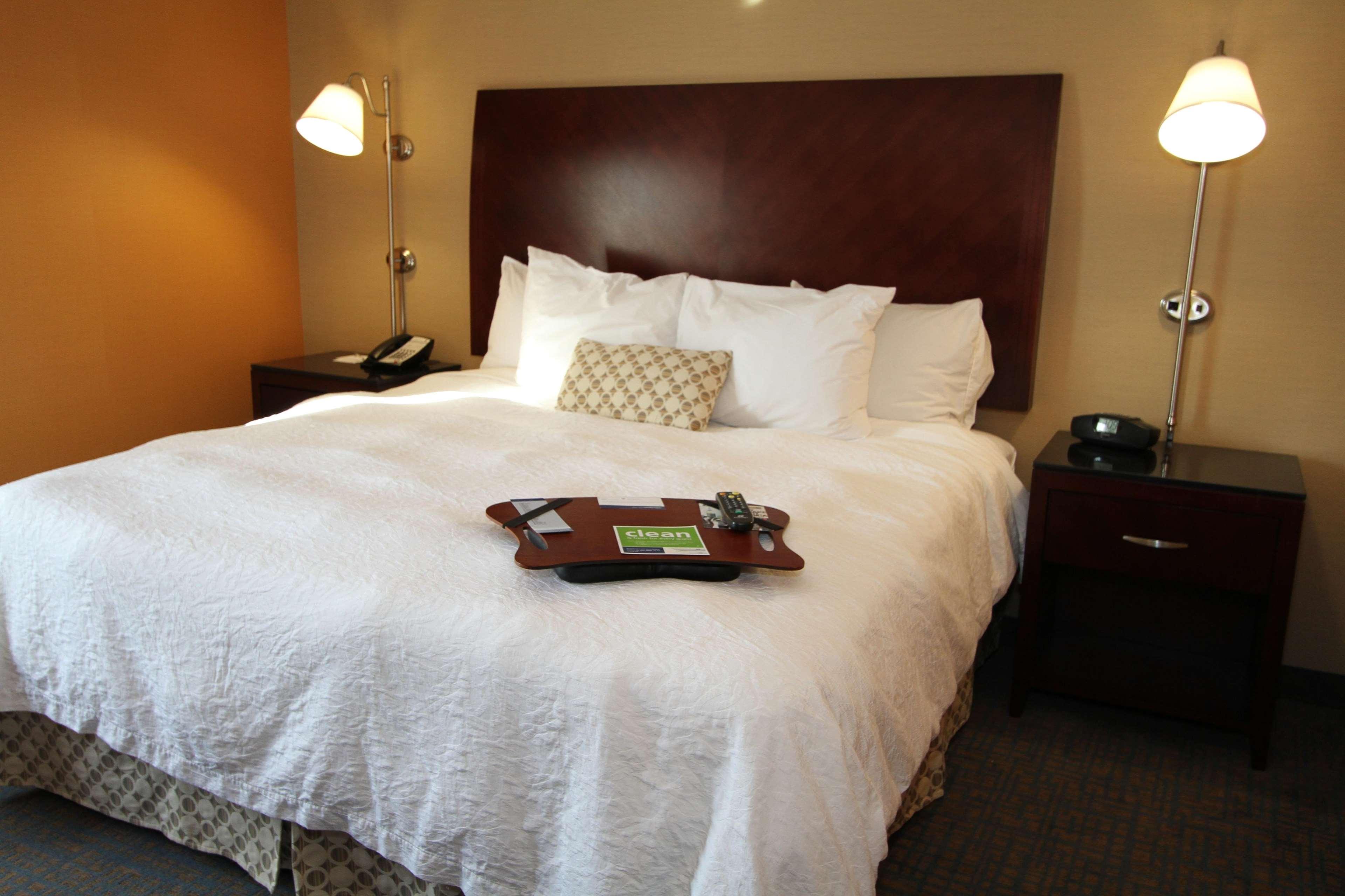 Hampton Inn & Suites Seattle-Downtown image 5