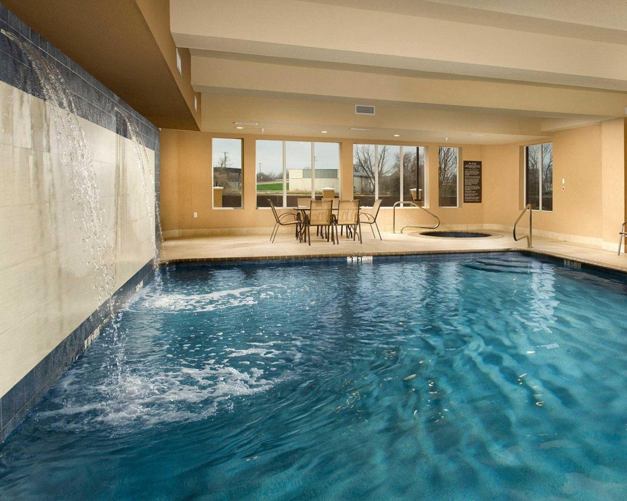 Comfort Suites Waco North image 3