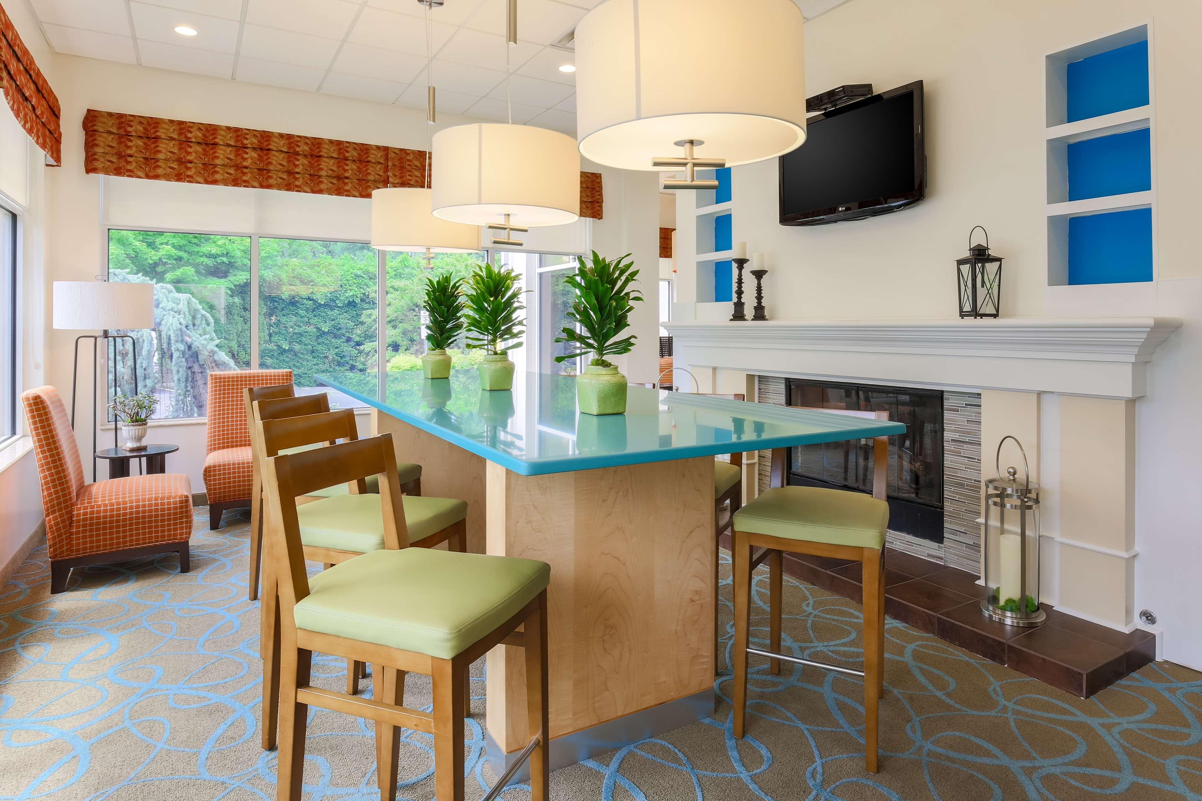 Hilton Garden Inn Nanuet image 3